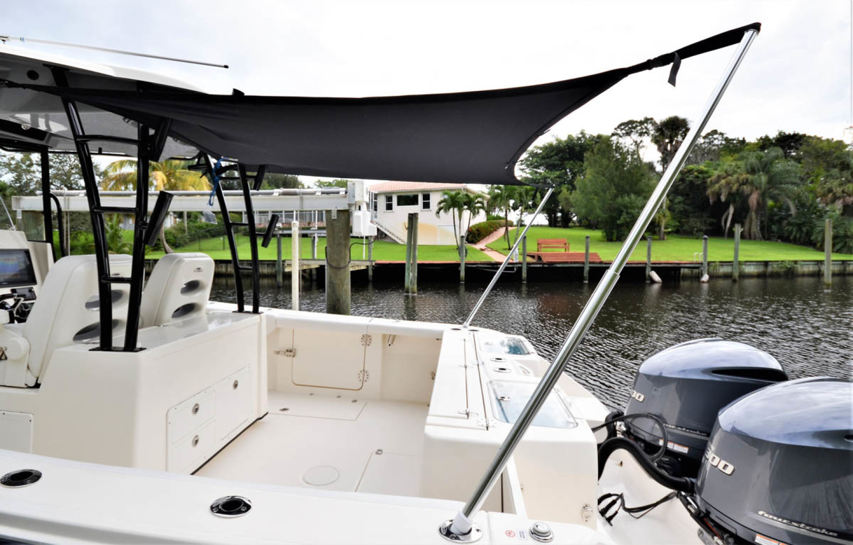 Cobia-320 CC 2019-Pivoting Palm City-Florida-United States-Cockpit Awning-1533999 | Thumbnail