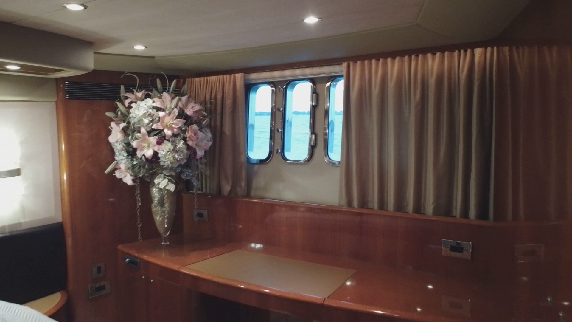 Princess-Flybridge Motor Yacht 2007-Hall Force One En Route to Florida-Florida-United States-master-stateroom-1534903 | Thumbnail