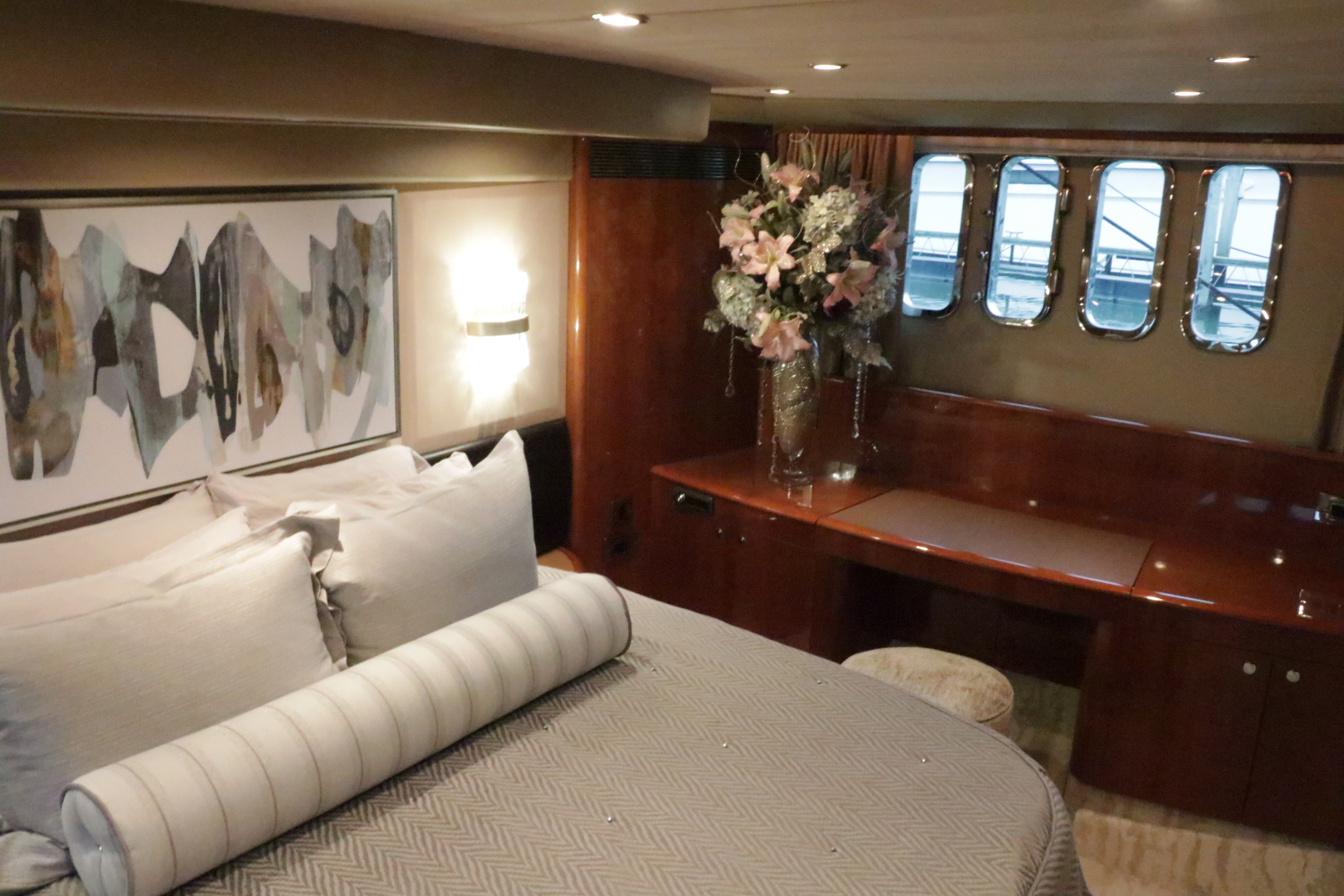Princess-Flybridge Motor Yacht 2007-Hall Force One En Route to Florida-Florida-United States-master-stateroom-1534925 | Thumbnail