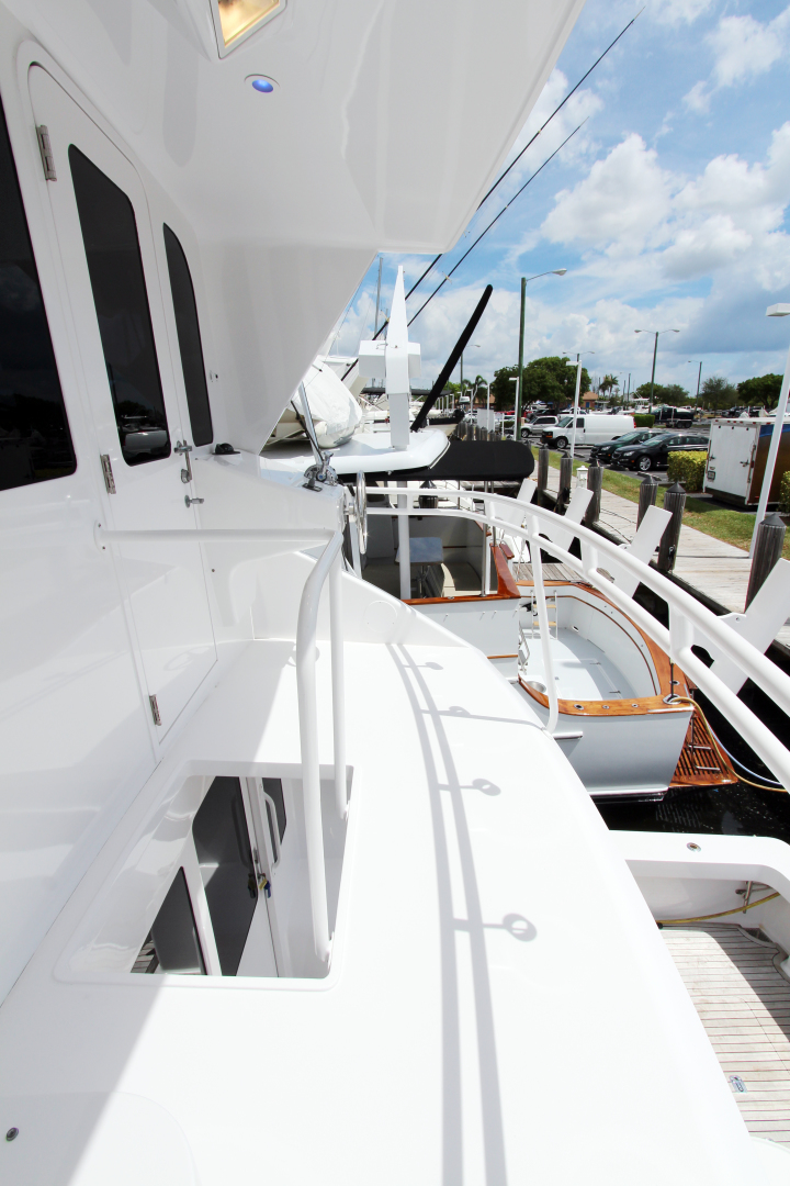 Viking-Enclosed Bridge 2004-Sea Sea Rider Dania Beach-Florida-United States-1536083 | Thumbnail