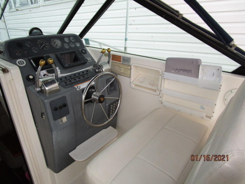 Tiara Yachts-2900 1997-Spirit Stevensville-Maryland-United States-29 Tiara helm1-1619396 | Thumbnail