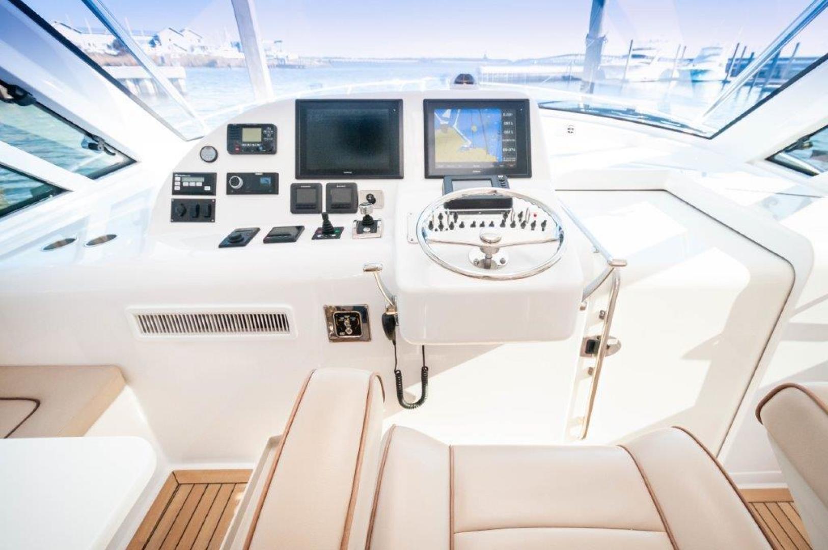 Hatteras-45 GT45X 2016-Badonkadonk Biloxi-Mississippi-United States-2016 45 Hatteras GT45X Badonkadonk Helm (5)-1549466 | Thumbnail