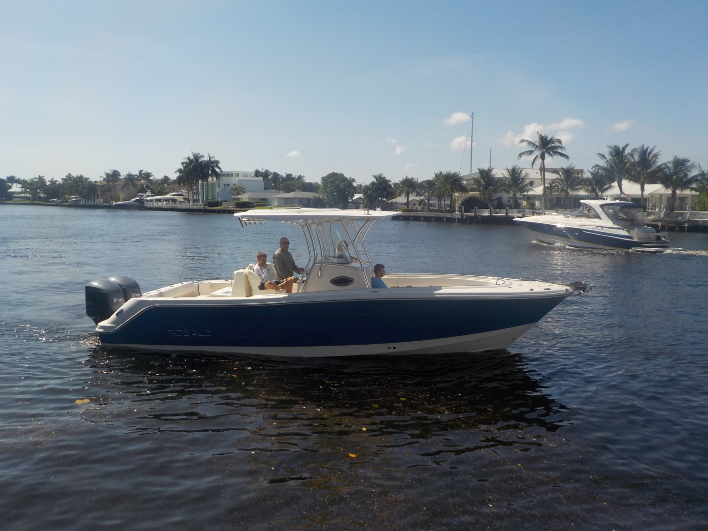 Robalo-R300 Center Console 2012-No Name Pompano Beach-Florida-United States-Profile-1537377 | Thumbnail