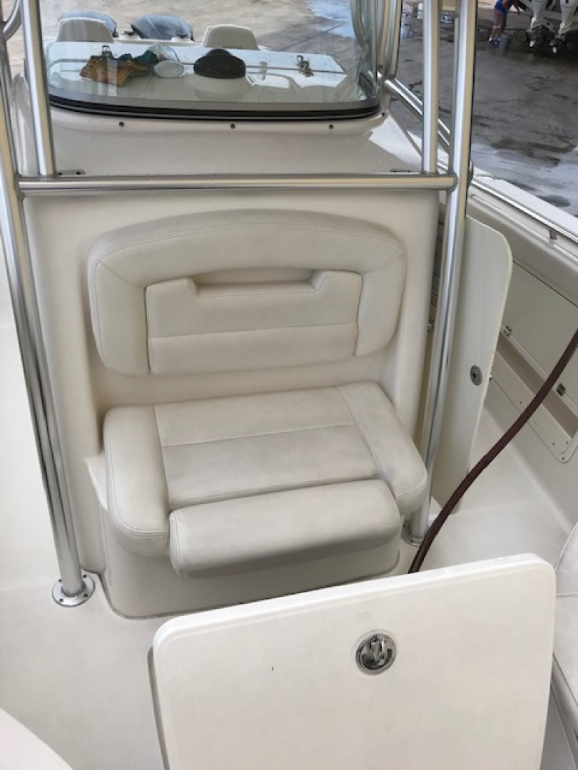Robalo-R300 Center Console 2012-No Name Pompano Beach-Florida-United States-Forward Seating-1537384 | Thumbnail