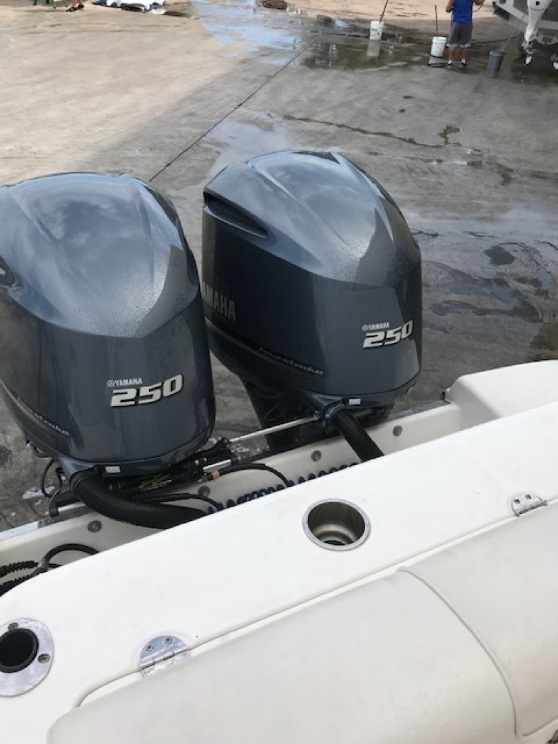 Robalo-R300 Center Console 2012-No Name Pompano Beach-Florida-United States-Yamaha 250-1537381 | Thumbnail