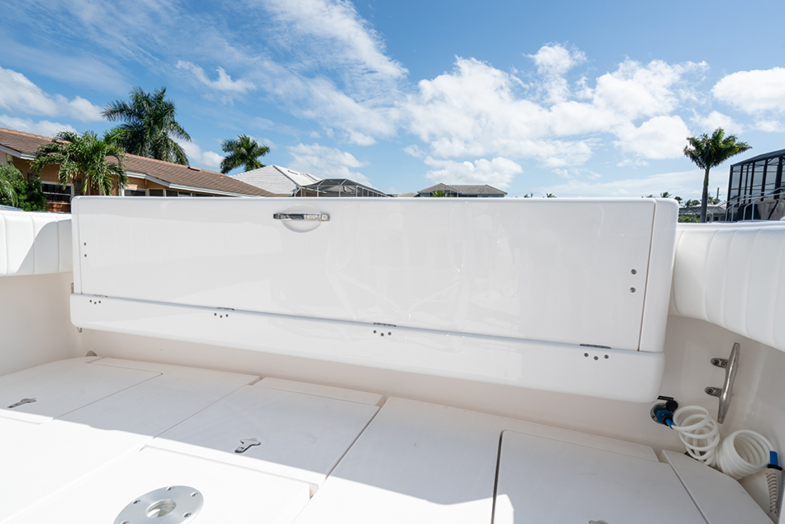 Intrepid-400 Center Console 2017-SPONTANEOUS Marco Island-Florida-United States-Folded rear bench seat in the cockpit-1537588 | Thumbnail