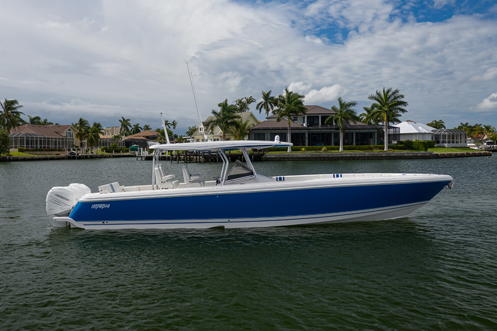 Intrepid-400 Center Console 2017-SPONTANEOUS Marco Island-Florida-United States-Stbd profile-1537577 | Thumbnail