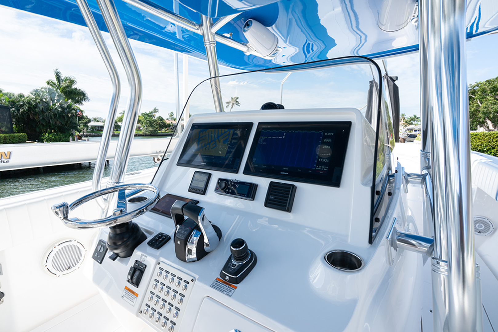 Intrepid-400 Center Console 2017-SPONTANEOUS Marco Island-Florida-United States-Helm station-1537586 | Thumbnail
