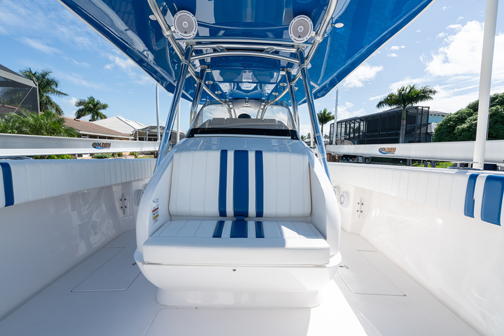 Intrepid-400 Center Console 2017-SPONTANEOUS Marco Island-Florida-United States-Seat in front of the helm-1537589 | Thumbnail