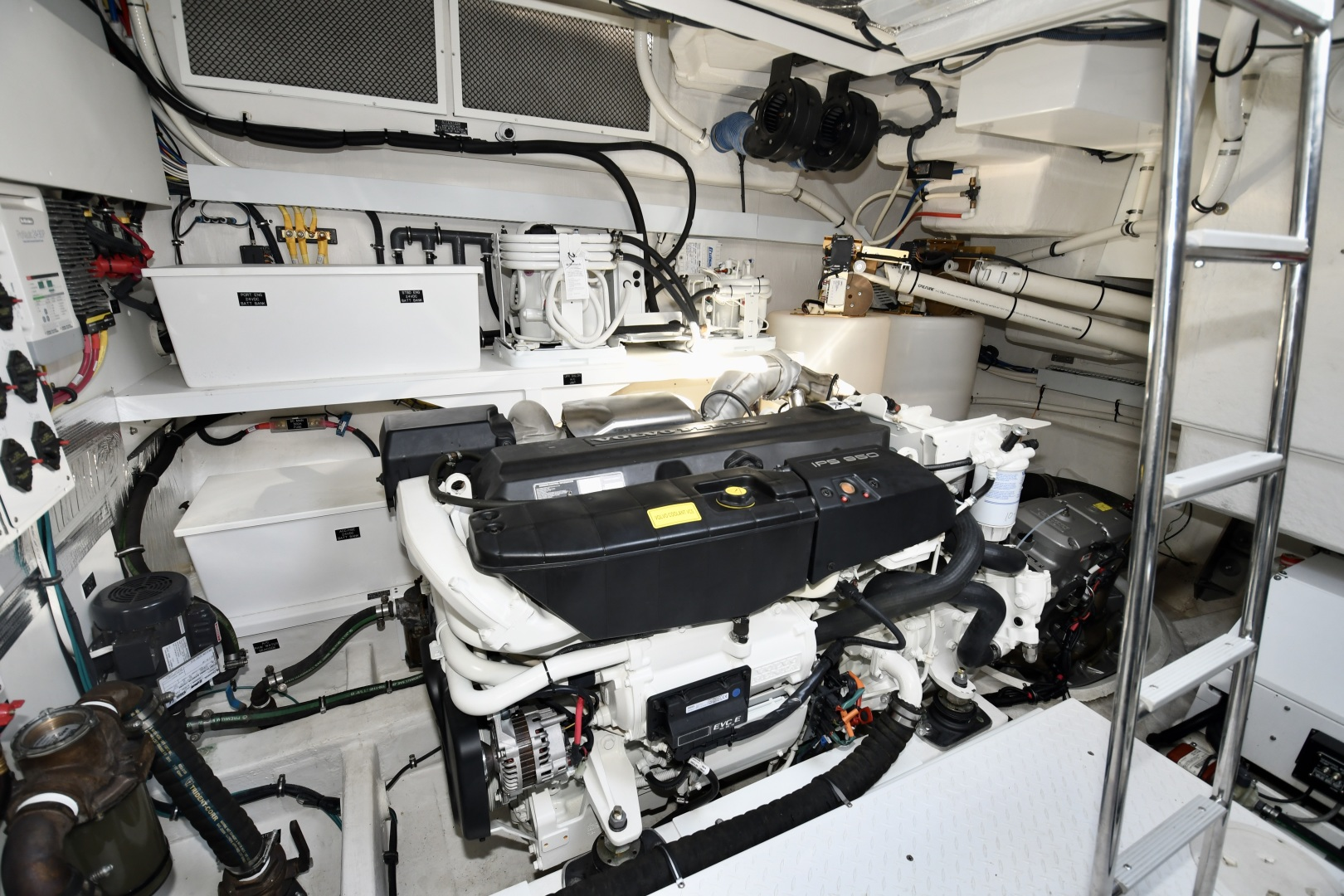 Cruisers-60 Cantius 2017-Mrs. Robinson Anna Maria Island-Florida-United States-2017 Cruisers 60 Cantius  Mrs. Robinson  Engine Room-1538522 | Thumbnail