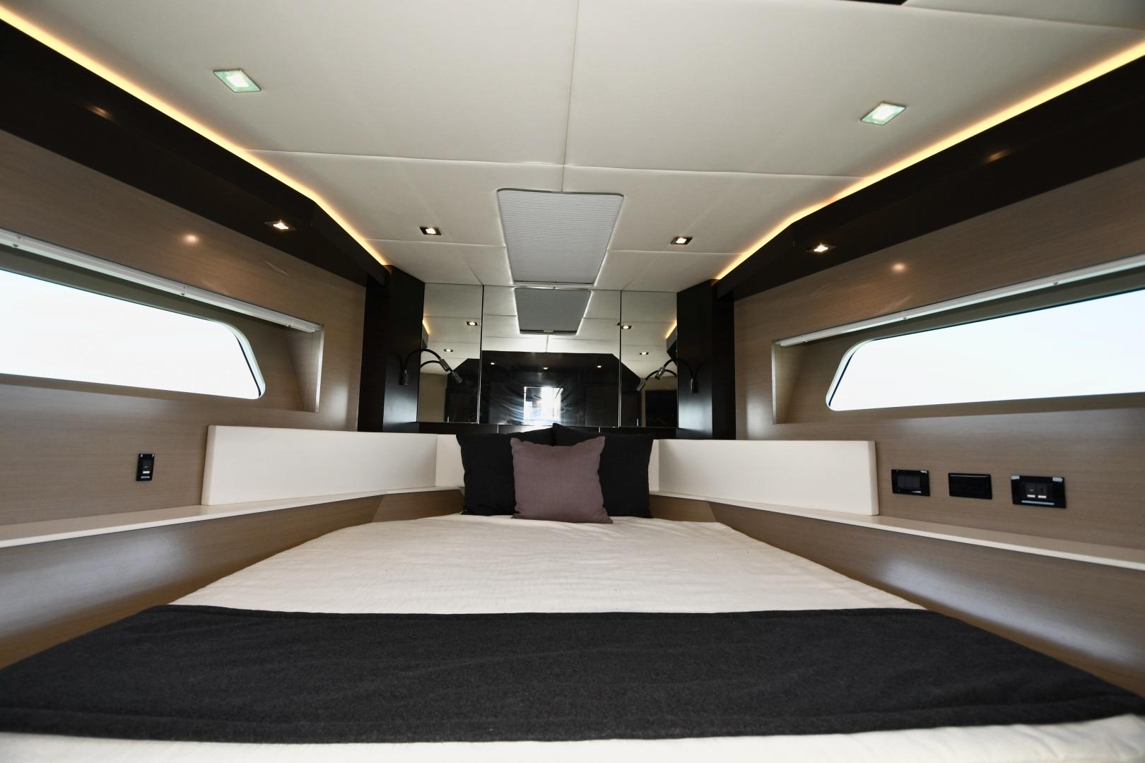Cruisers-60 Cantius 2017-Mrs. Robinson Anna Maria Island-Florida-United States-2017 Cruisers 60 Cantius  Mrs. Robinson  VIP Stateroom-1538511 | Thumbnail
