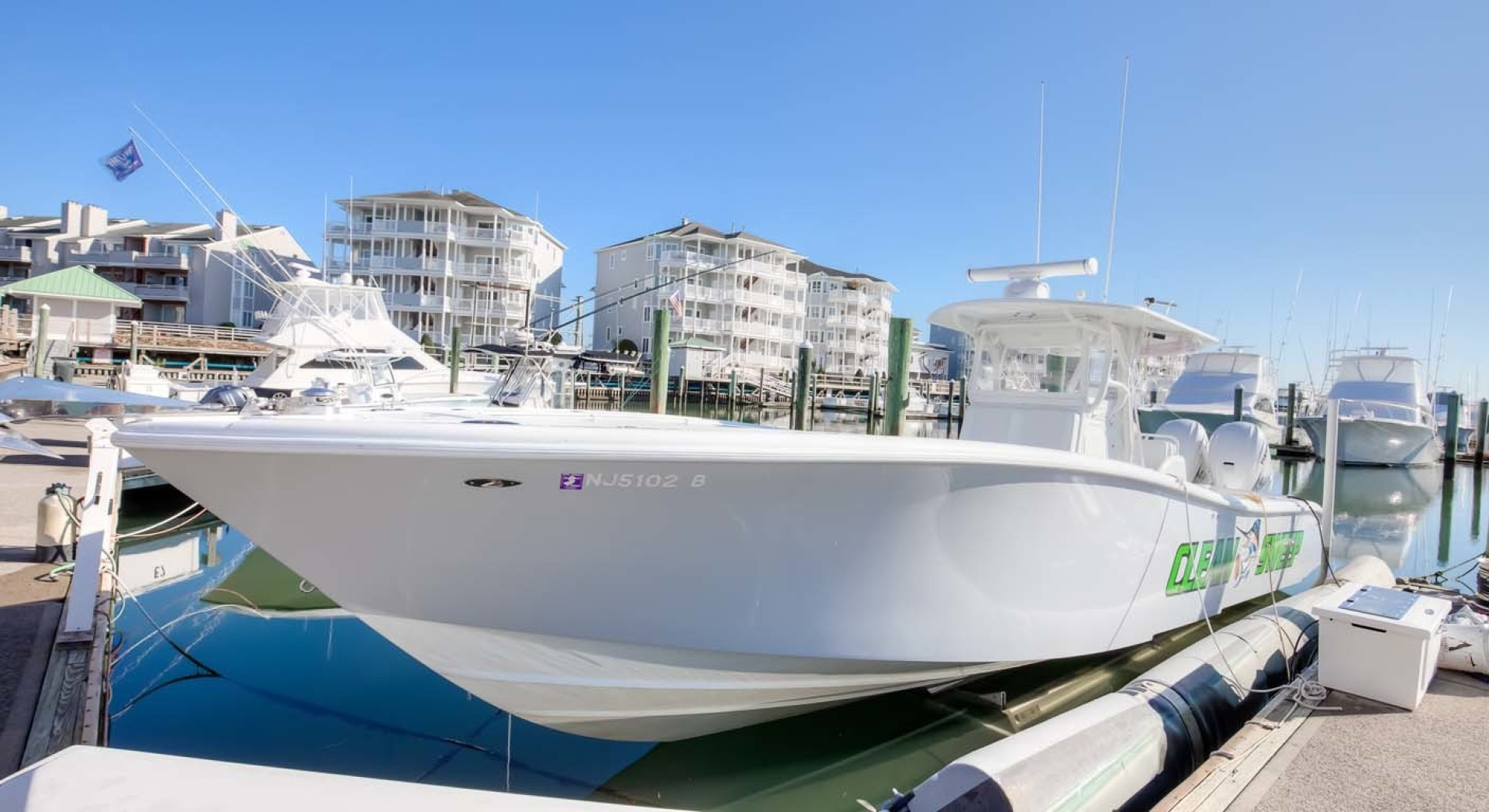 Yellowfin-Center Console 2009-Clean Sweep Cape May-New Jersey-United States-Port Bow-1538538 | Thumbnail