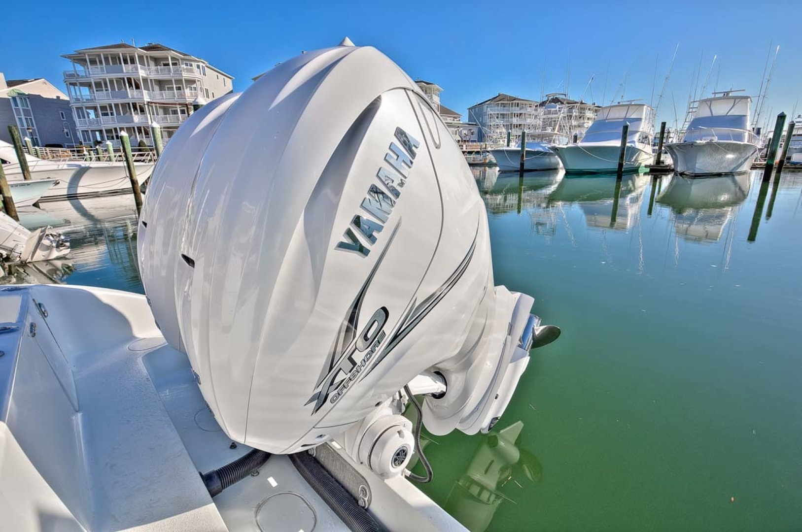 Yellowfin-Center Console 2009-Clean Sweep Cape May-New Jersey-United States-2 x Yamaha 425HP-1538557 | Thumbnail