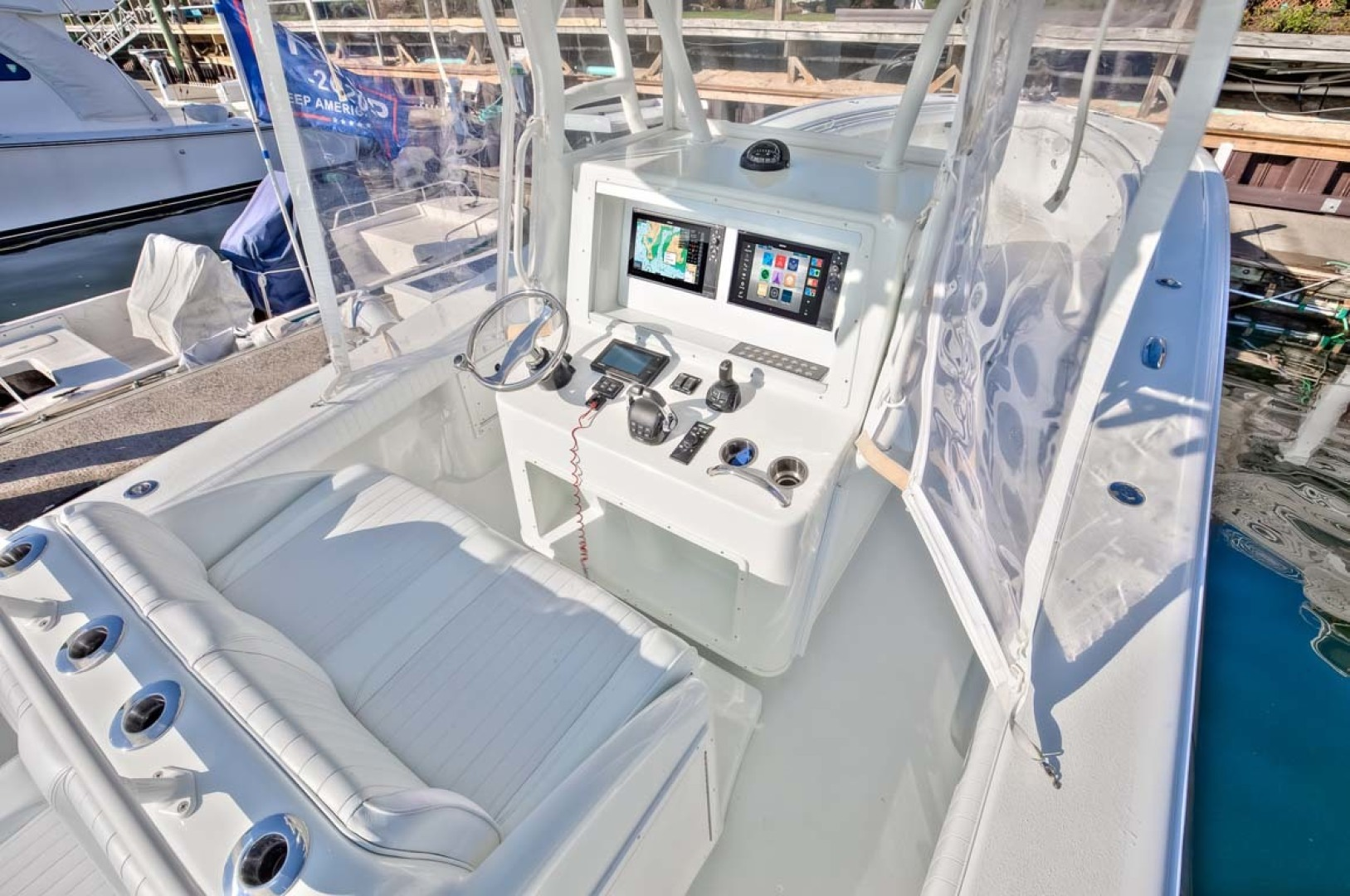 Yellowfin-Center Console 2009-Clean Sweep Cape May-New Jersey-United States-Helm -1538549 | Thumbnail
