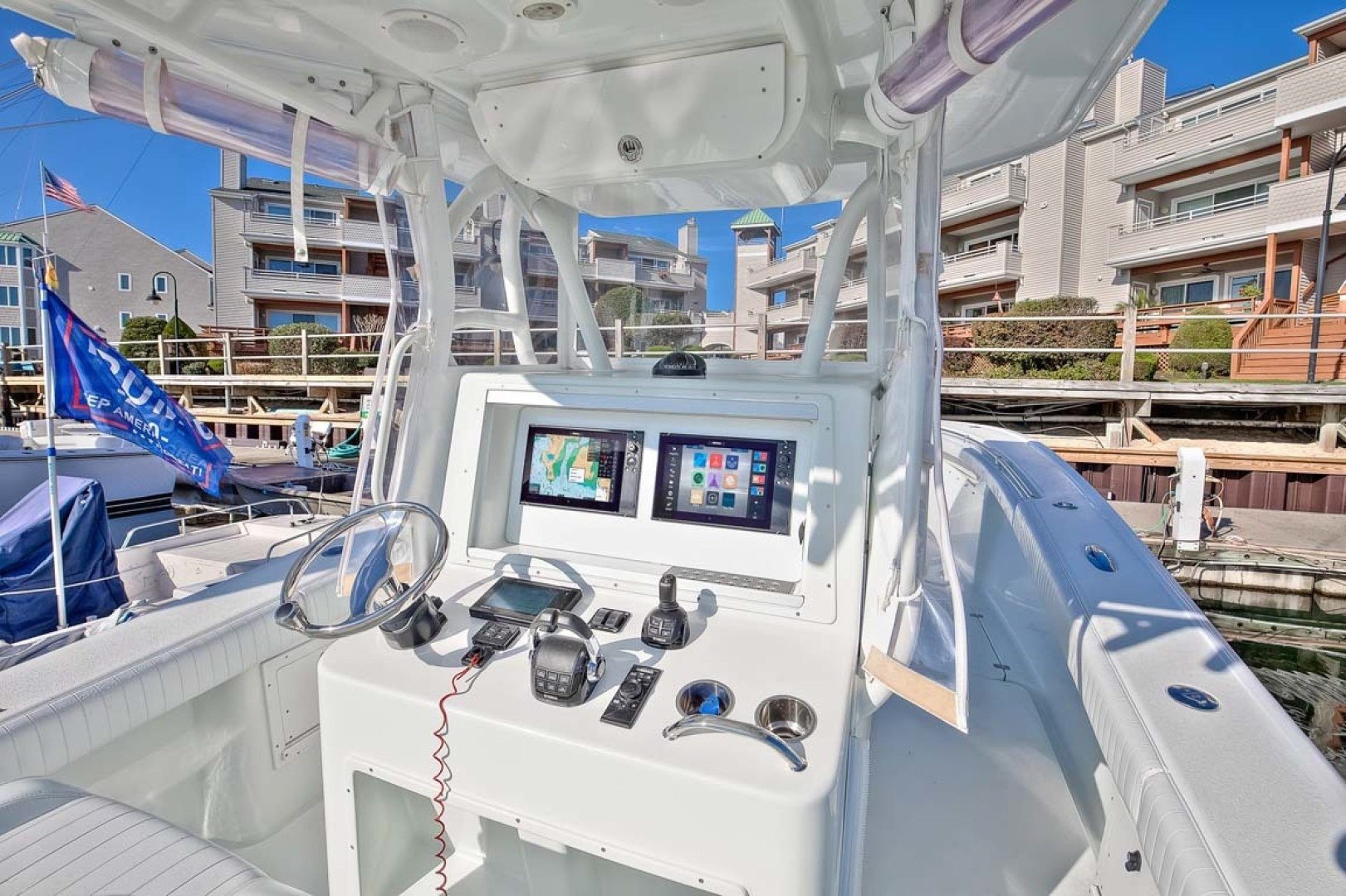 Yellowfin-Center Console 2009-Clean Sweep Cape May-New Jersey-United States-Helm-1538548 | Thumbnail