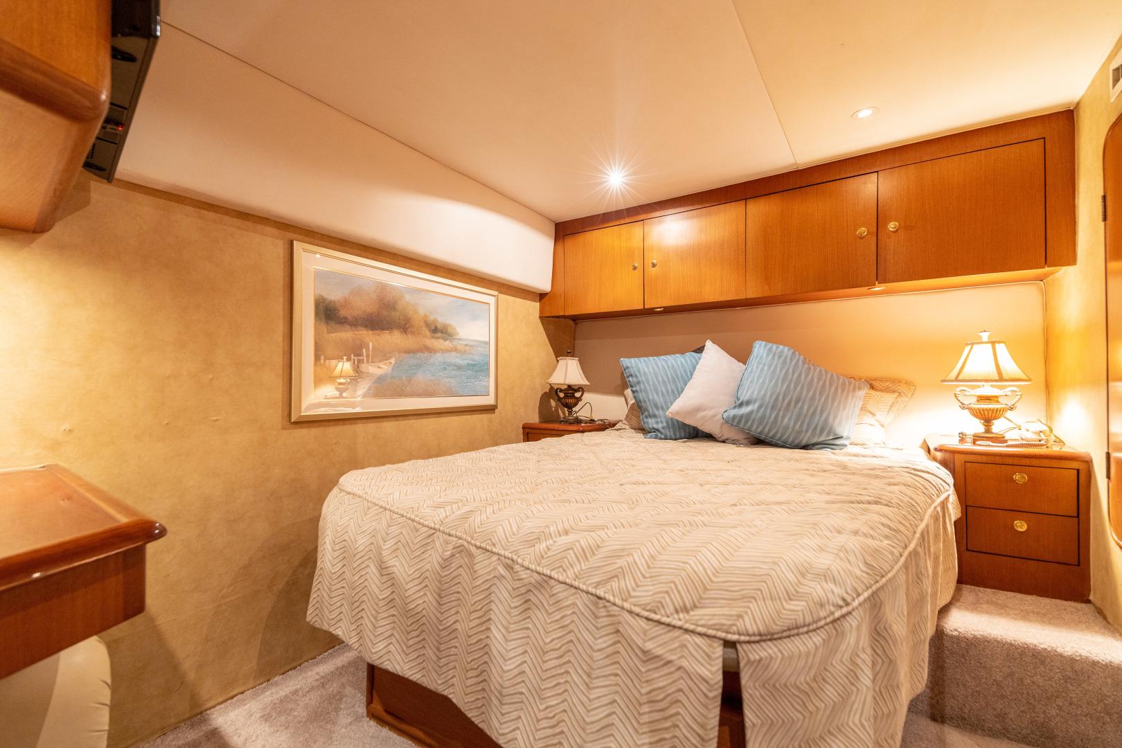 Ocean Yachts 2001 -Santo Domingo-Dominican Republic-Master Stateroom-1538700   Thumbnail