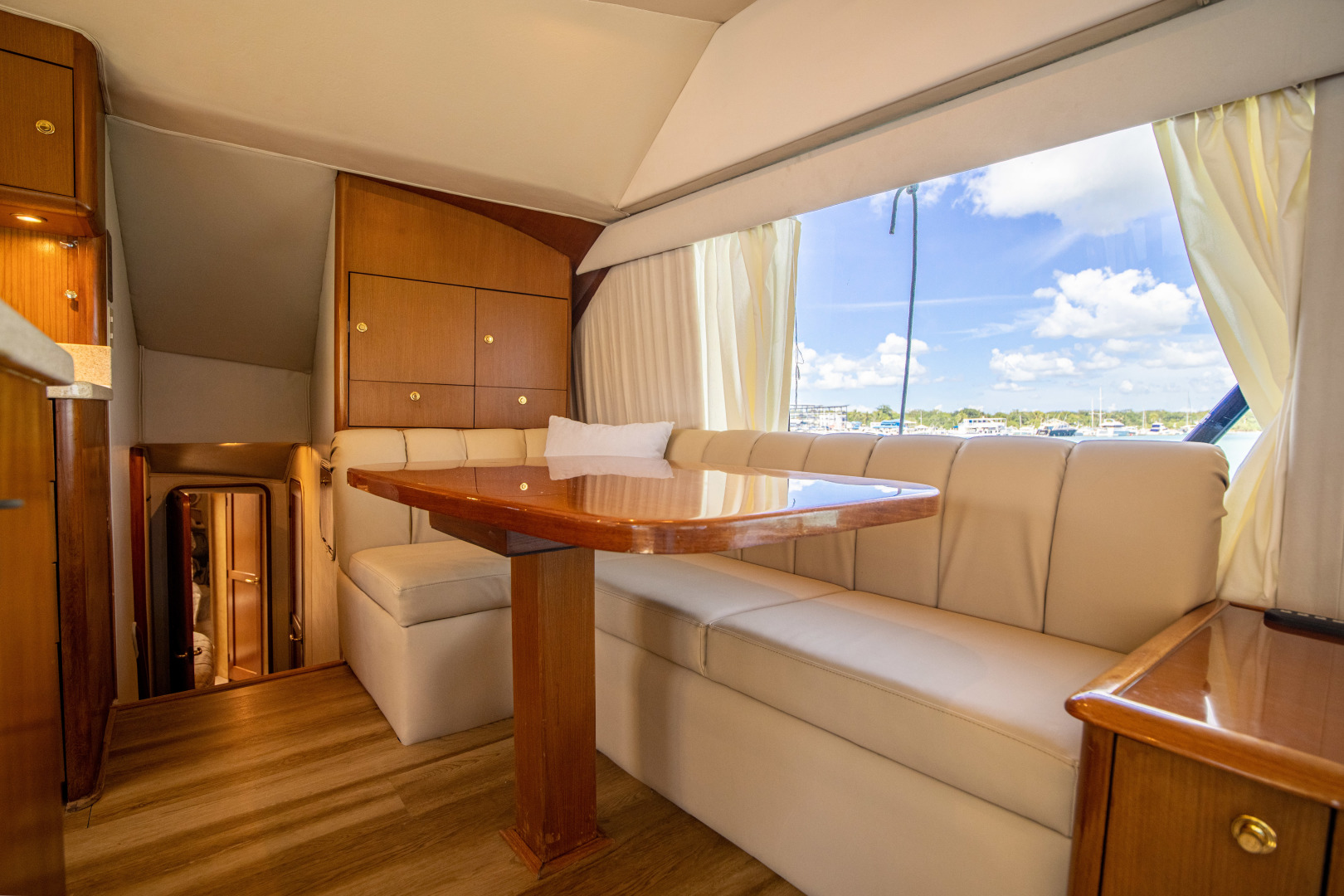 Ocean Yachts-Super Sport 2001 -Miami-Florida-United States-Dinette-1538725 | Thumbnail