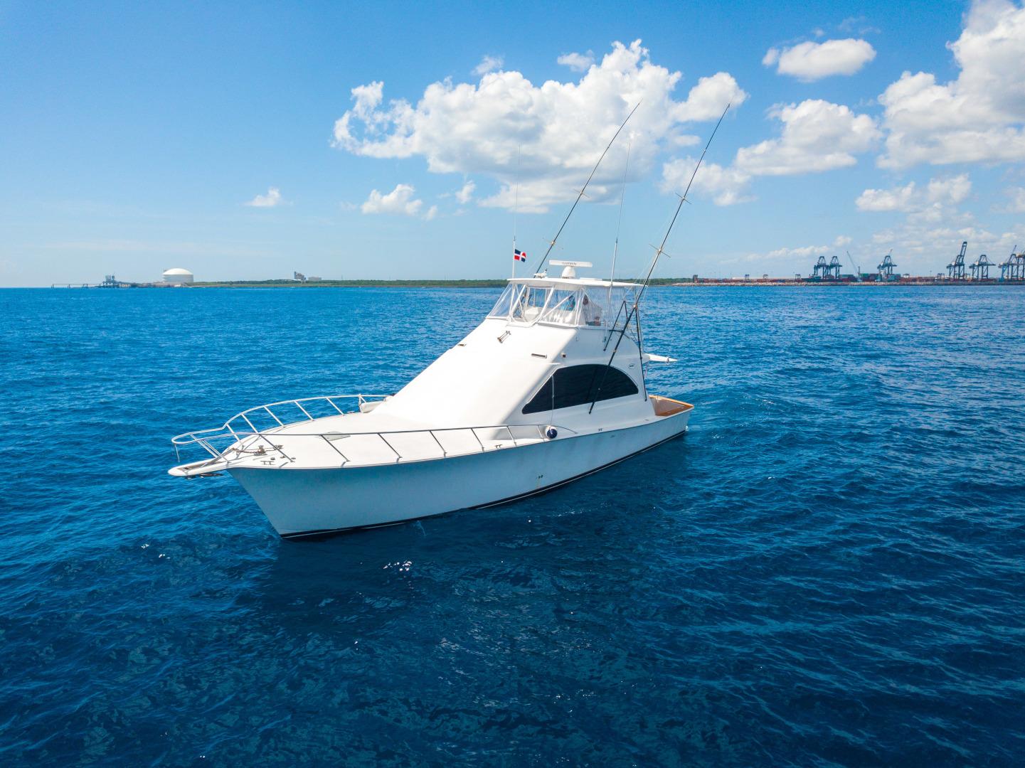 52 2001 Ocean Yachts Profile