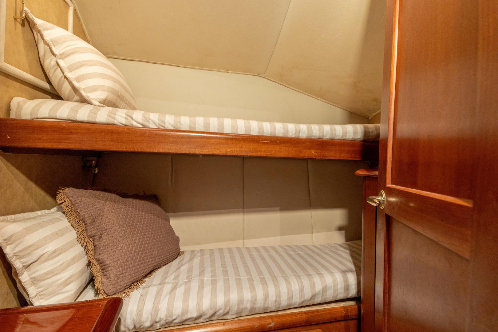 Ocean Yachts 2001 -Santo Domingo-Dominican Republic-Guest Stateroom-1538729   Thumbnail