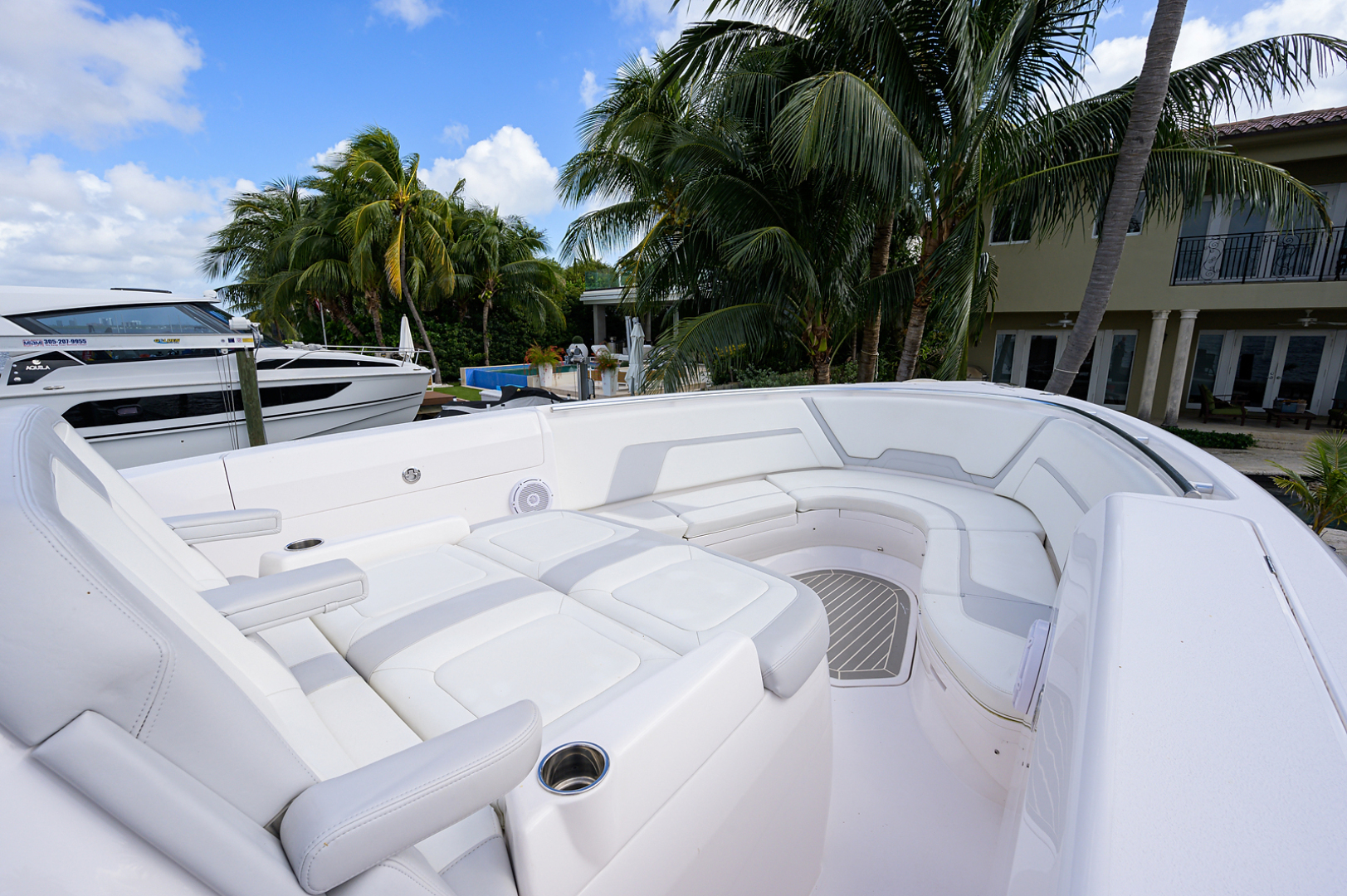 Intrepid 2019-GIRLYMAN Florida-United States-Bow-1540314 | Thumbnail