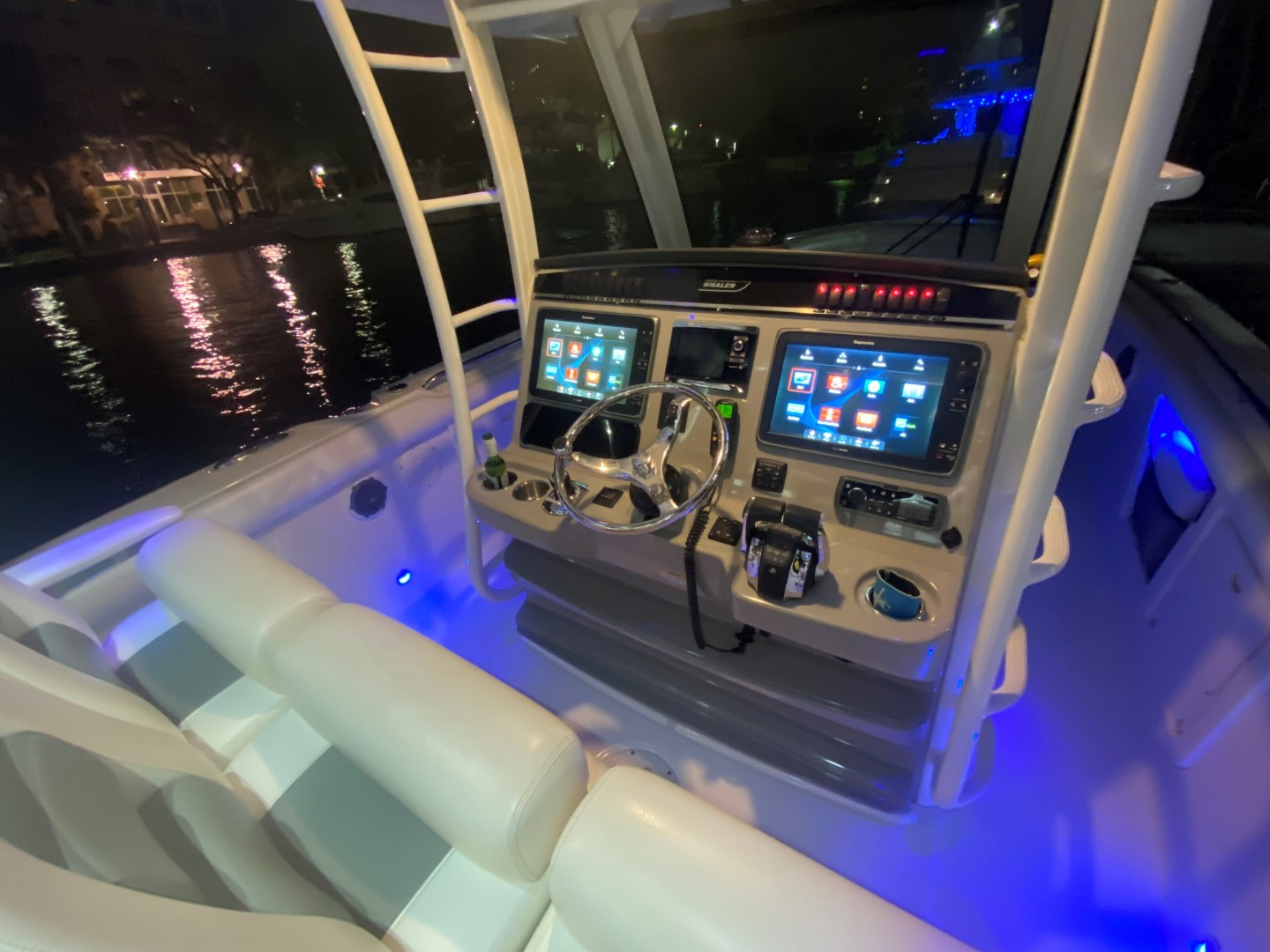 Boston Whaler-350 Outrage 2015-D STRACTION Fort Lauderdale-Florida-United States-1560625   Thumbnail
