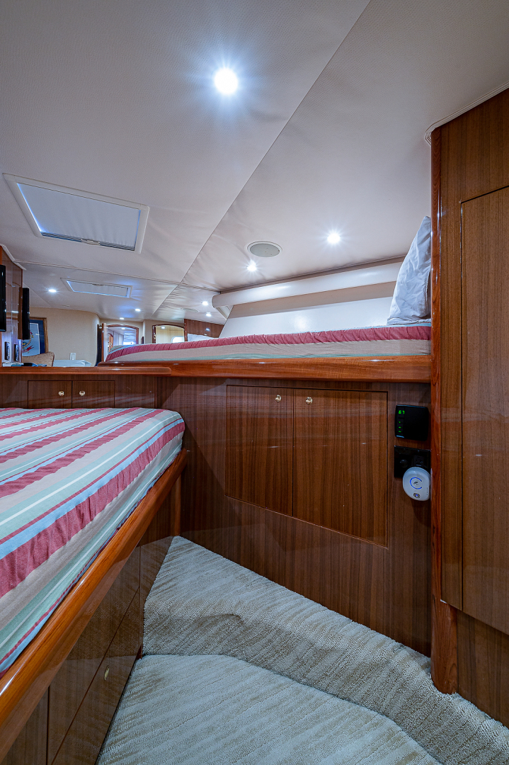 Viking-Sportfisherman 2006-Let It Ride Fort Pierce-Florida-United States-Forward Stateroom-1543177 | Thumbnail