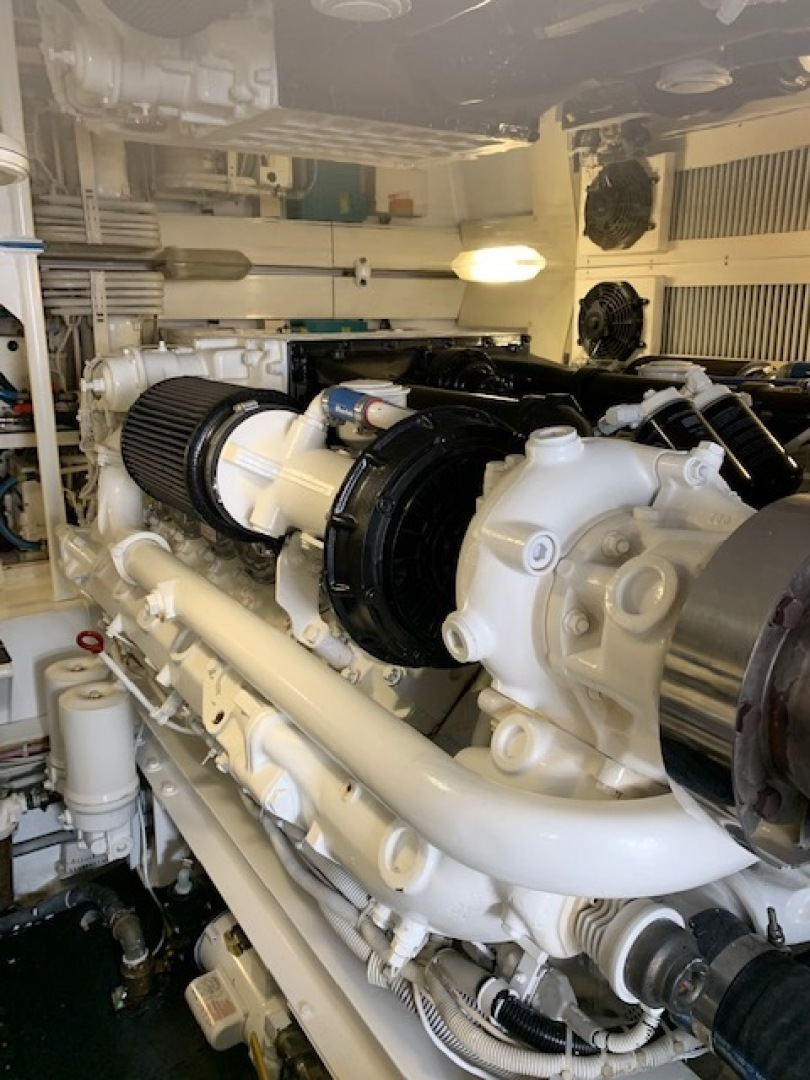 Viking 52 - Ayayaiii - Engine Room