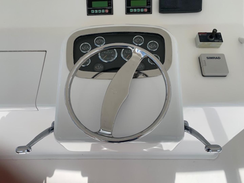 Viking 52 - Ayayaiii - Helm