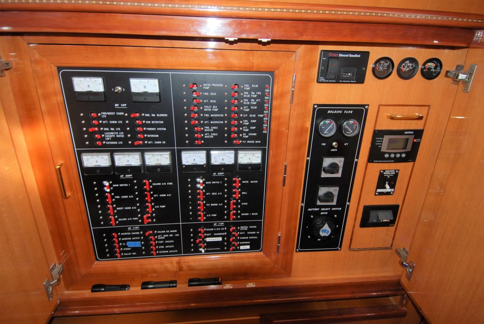 Novatec-Cockpit Motoryacht 2003-Liberty Dunedin-Florida-United States-1544811 | Thumbnail