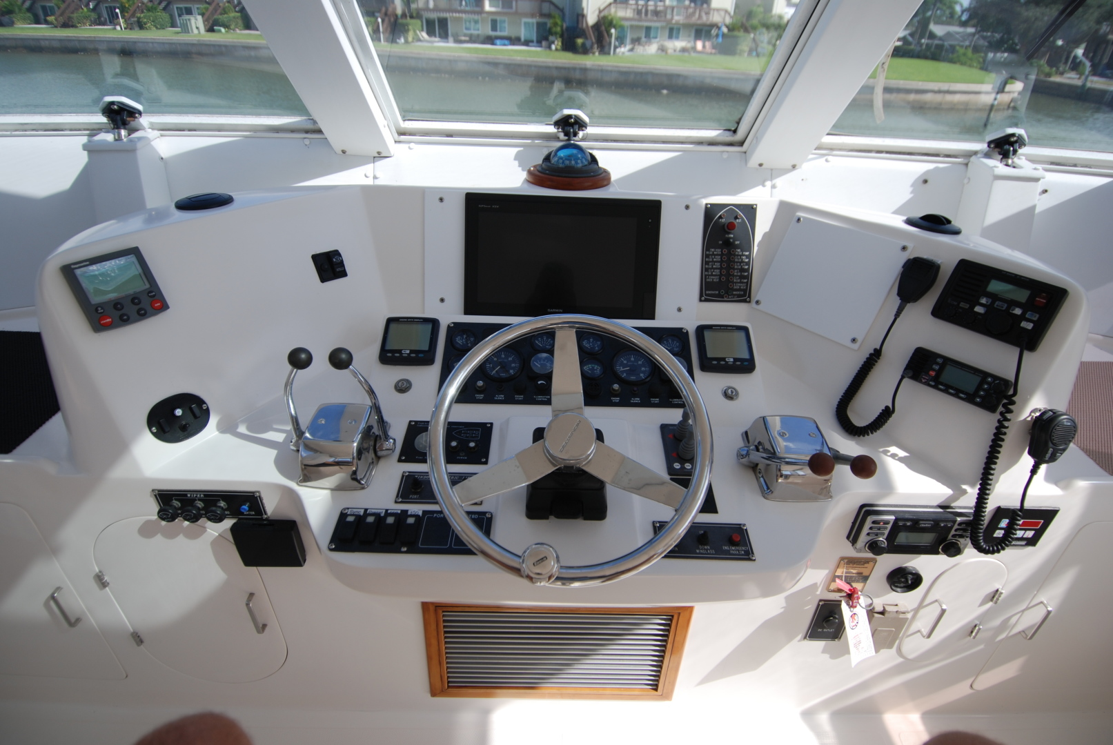 Novatec-Cockpit Motoryacht 2003-Liberty Dunedin-Florida-United States-1544779 | Thumbnail