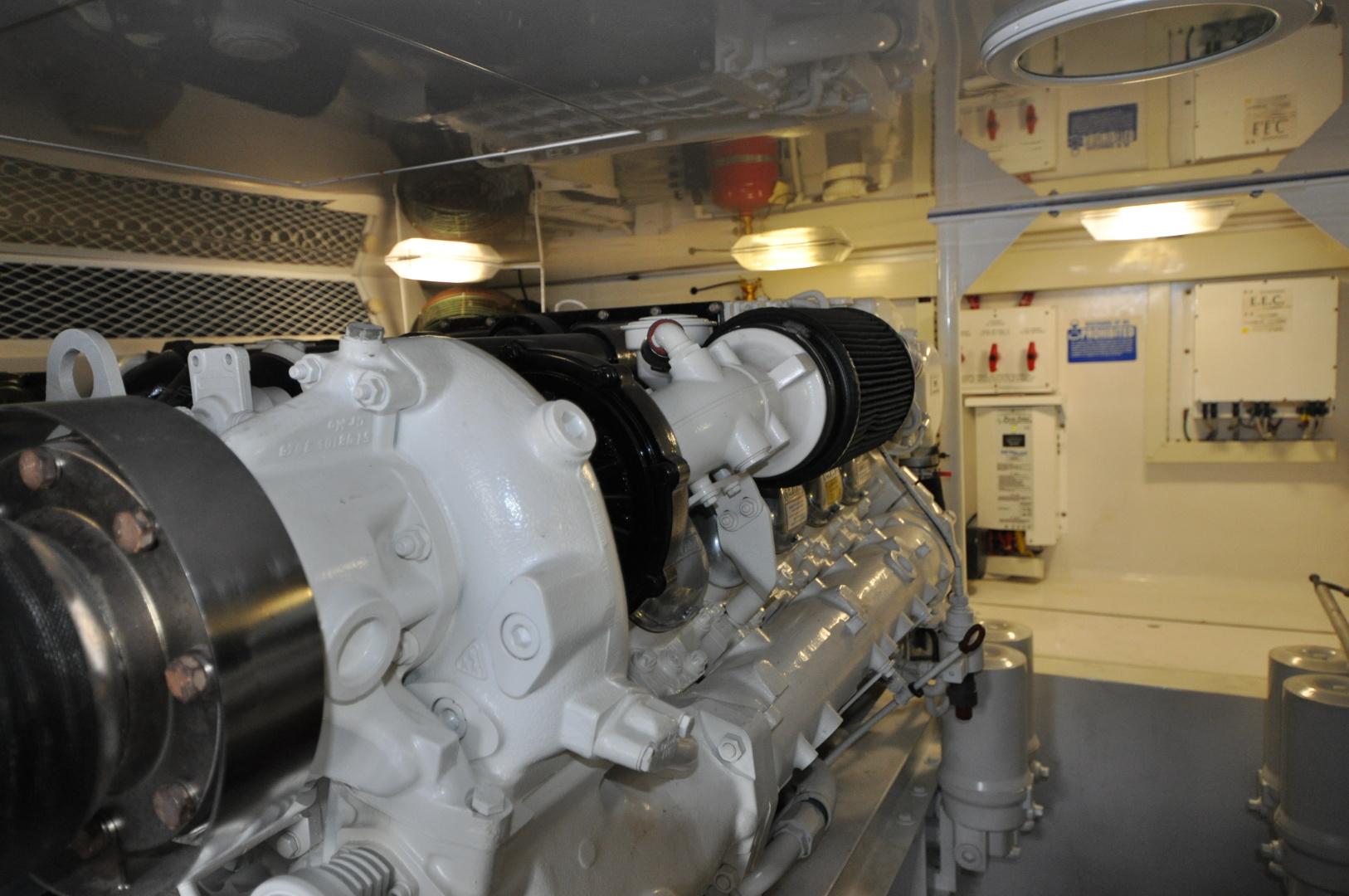 Viking-Convertible 2003-Reel Cowboy Deerfield Beach-Florida-United States-Engine Room-1546887 | Thumbnail