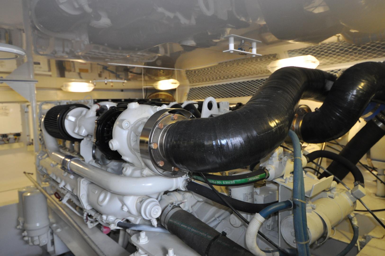 Viking-Convertible 2003-Reel Cowboy Deerfield Beach-Florida-United States-Engine Room-1546885 | Thumbnail