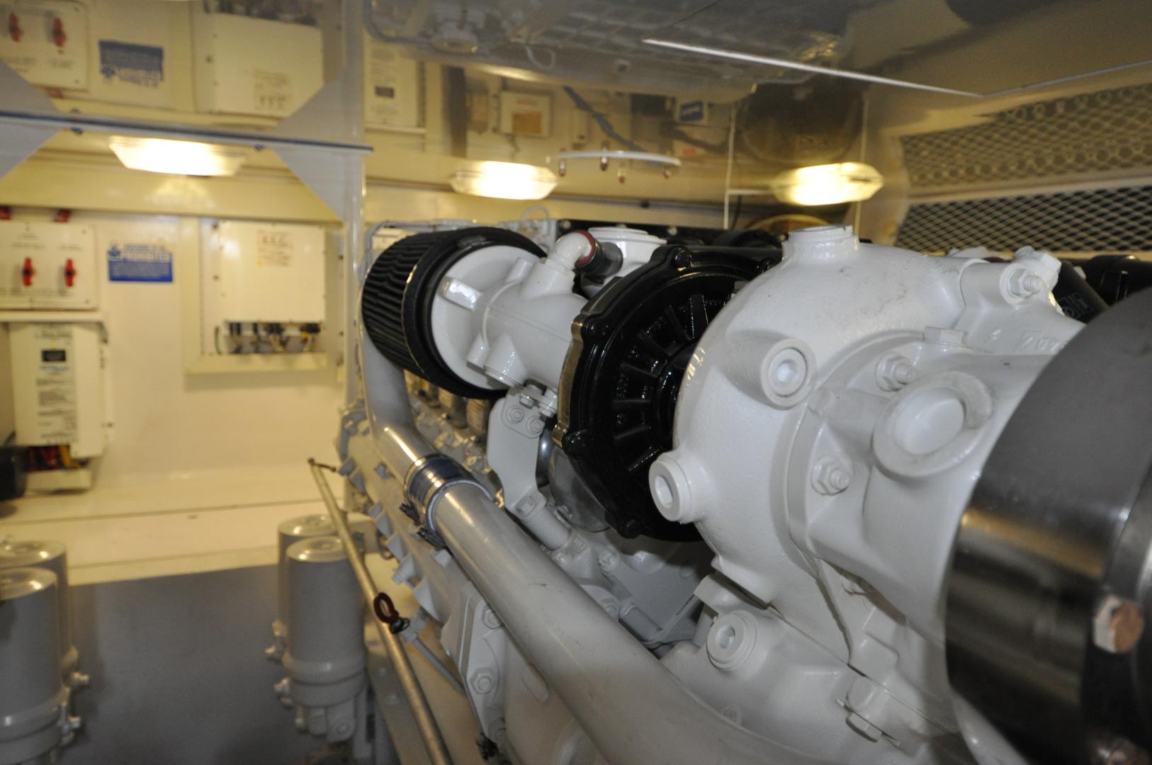 Viking-Convertible 2003-Reel Cowboy Deerfield Beach-Florida-United States-Engine Room-1546888 | Thumbnail