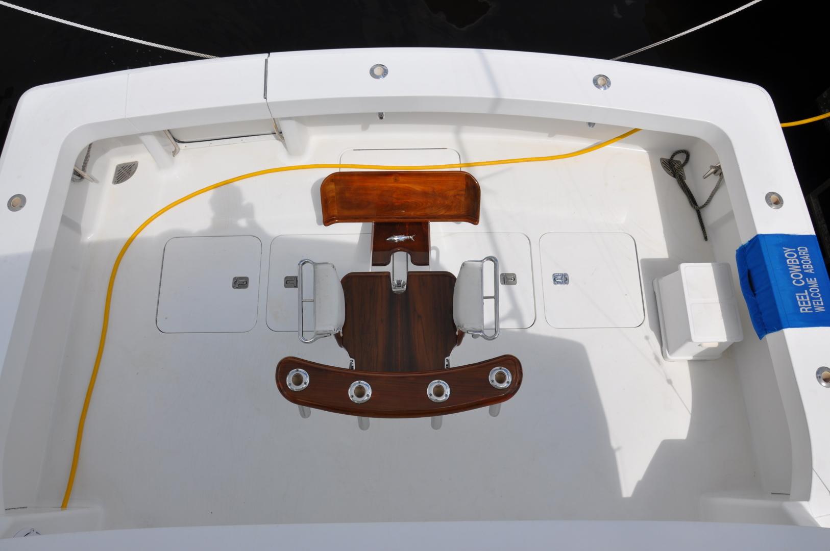 Viking-Convertible 2003-Reel Cowboy Deerfield Beach-Florida-United States-Cockpit-1546880 | Thumbnail