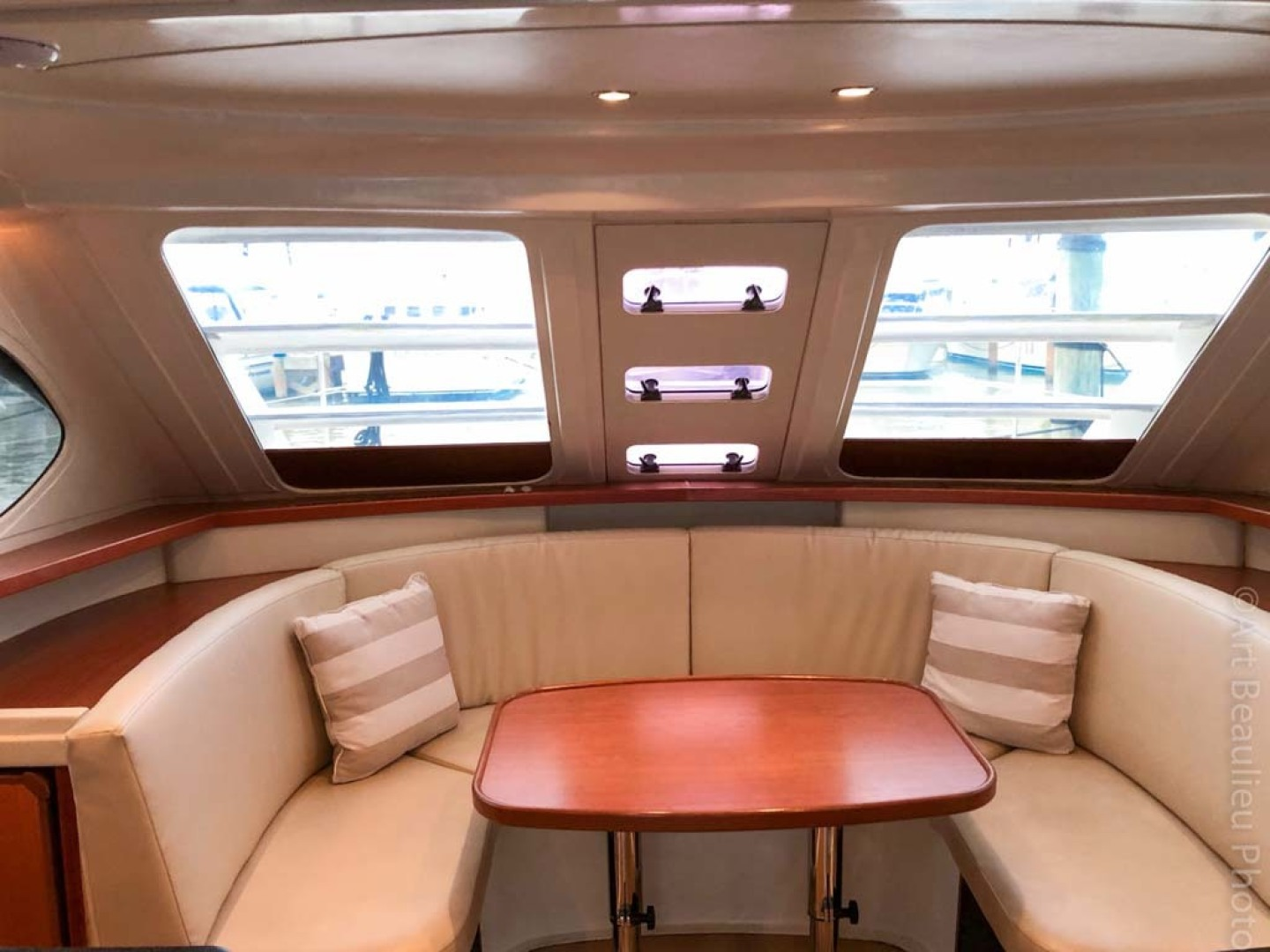 Leopard-37 PC 2008-Even Keel Cocoa Beach-Florida-United States-Salon Table And Settee Converts To A Berth-1546907 | Thumbnail