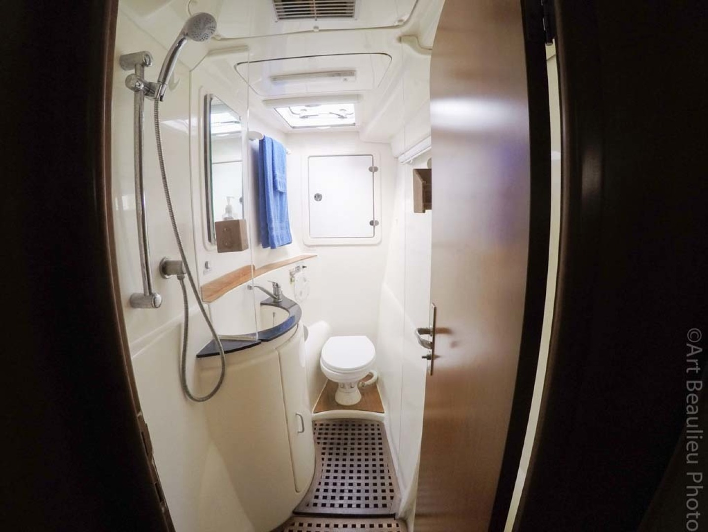 Leopard-37 PC 2008-Even Keel Cocoa Beach-Florida-United States-Large Head And Shower-1546916 | Thumbnail