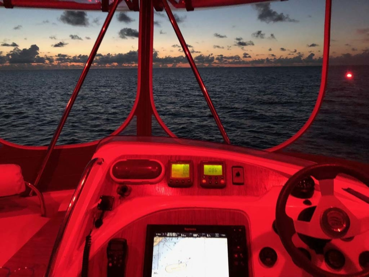 Leopard-37 PC 2008-Even Keel Cocoa Beach-Florida-United States-Helm At Night-1546919 | Thumbnail