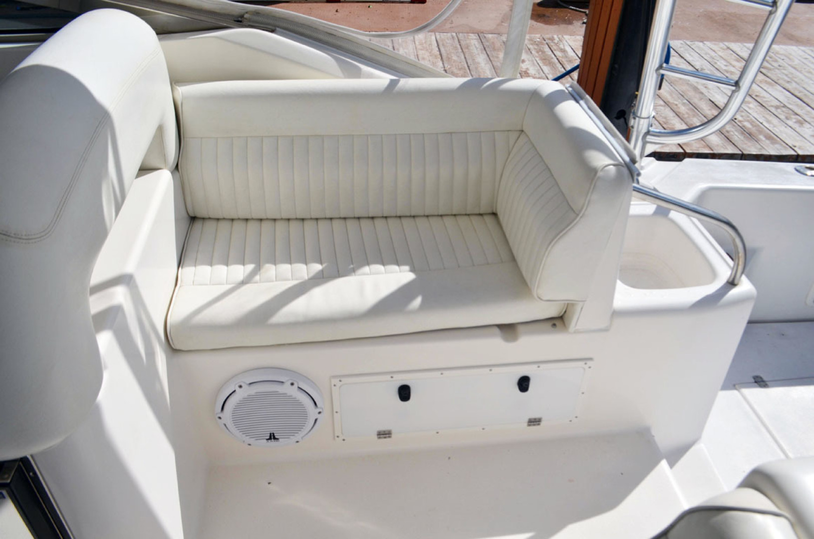 Riviera-4000 Express 2001-Shady Lady Hampton Bays-New York-United States-Helm Seating And Ice Maker-1547560 | Thumbnail