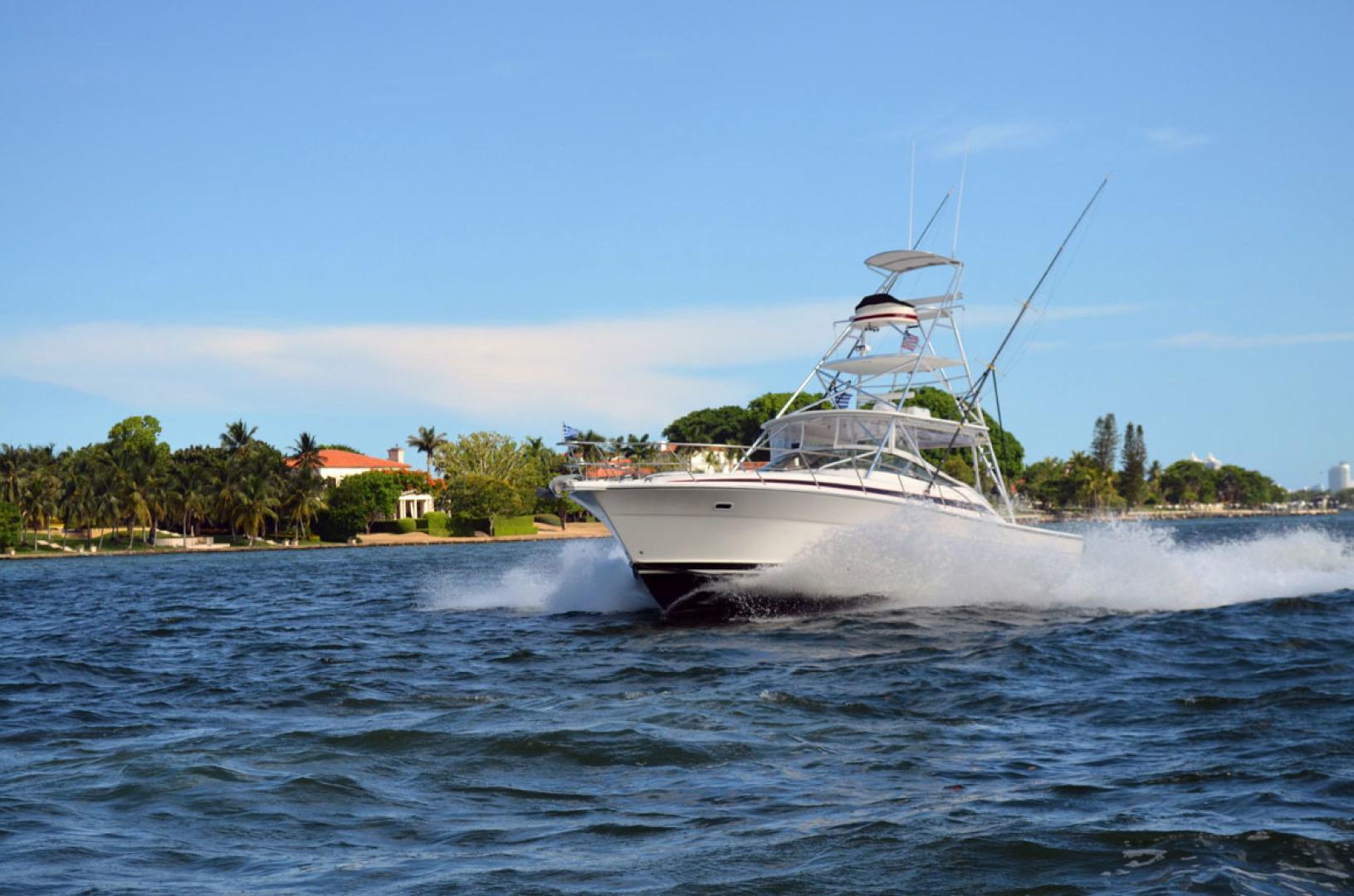 Riviera-4000 Express 2001-Shady Lady Hampton Bays-New York-United States-Port Bow Running-1547587 | Thumbnail