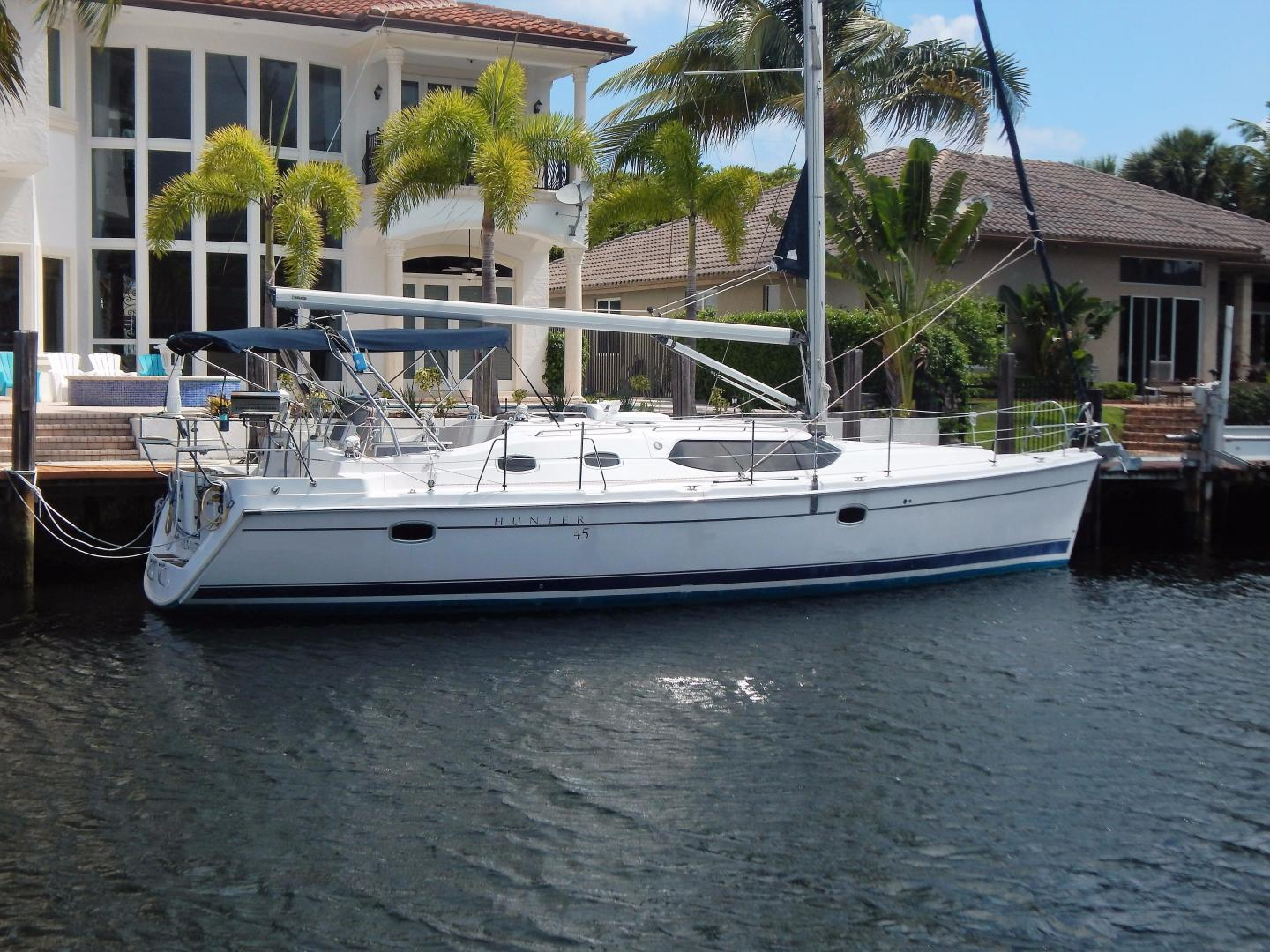 Hunter-Deck Salon 2012-PINK PONY SAILS Fort Lauderdale-Florida-United States-1549238 | Thumbnail