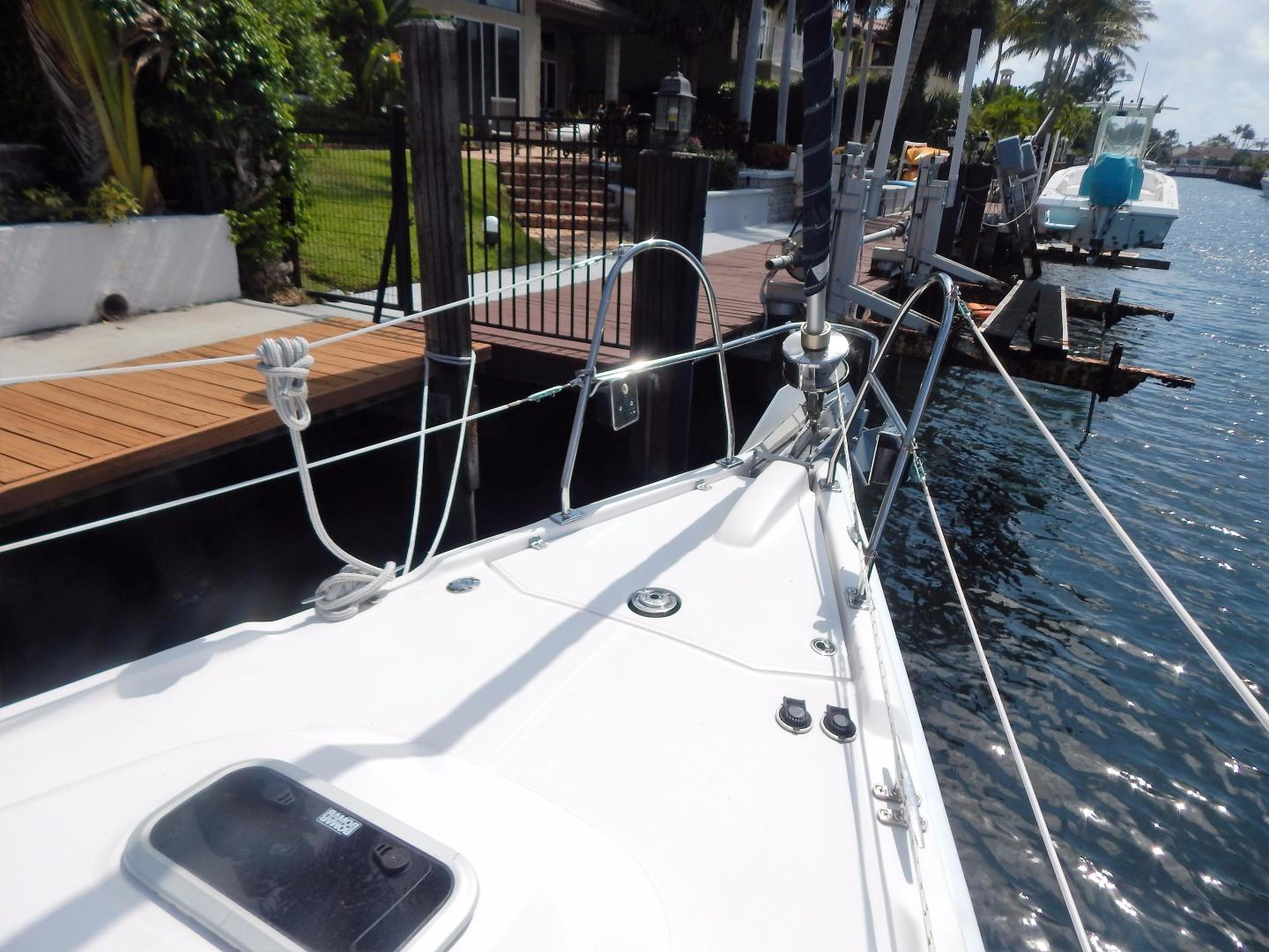 Hunter-Deck Salon 2012-PINK PONY SAILS Fort Lauderdale-Florida-United States-1549235 | Thumbnail