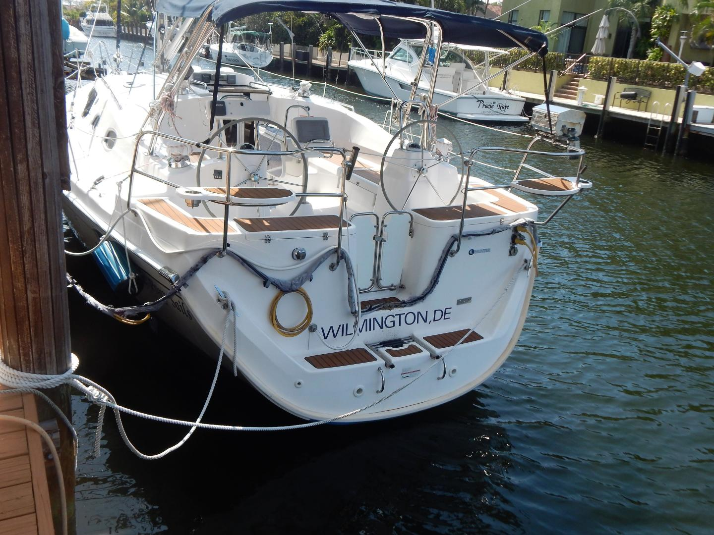 Hunter-Deck Salon 2012-PINK PONY SAILS Fort Lauderdale-Florida-United States-1549232 | Thumbnail