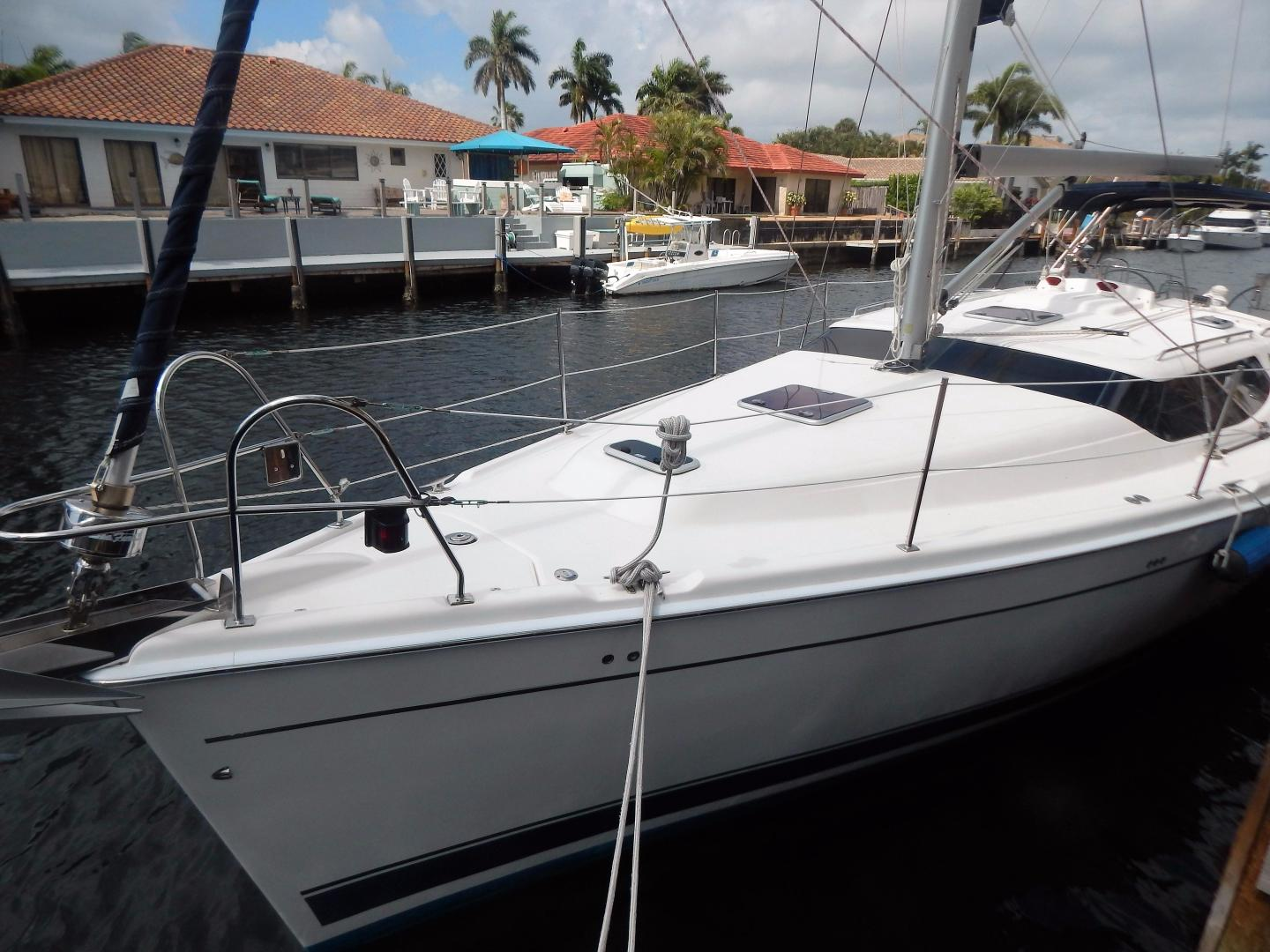 Hunter-Deck Salon 2012-PINK PONY SAILS Fort Lauderdale-Florida-United States-1549234 | Thumbnail