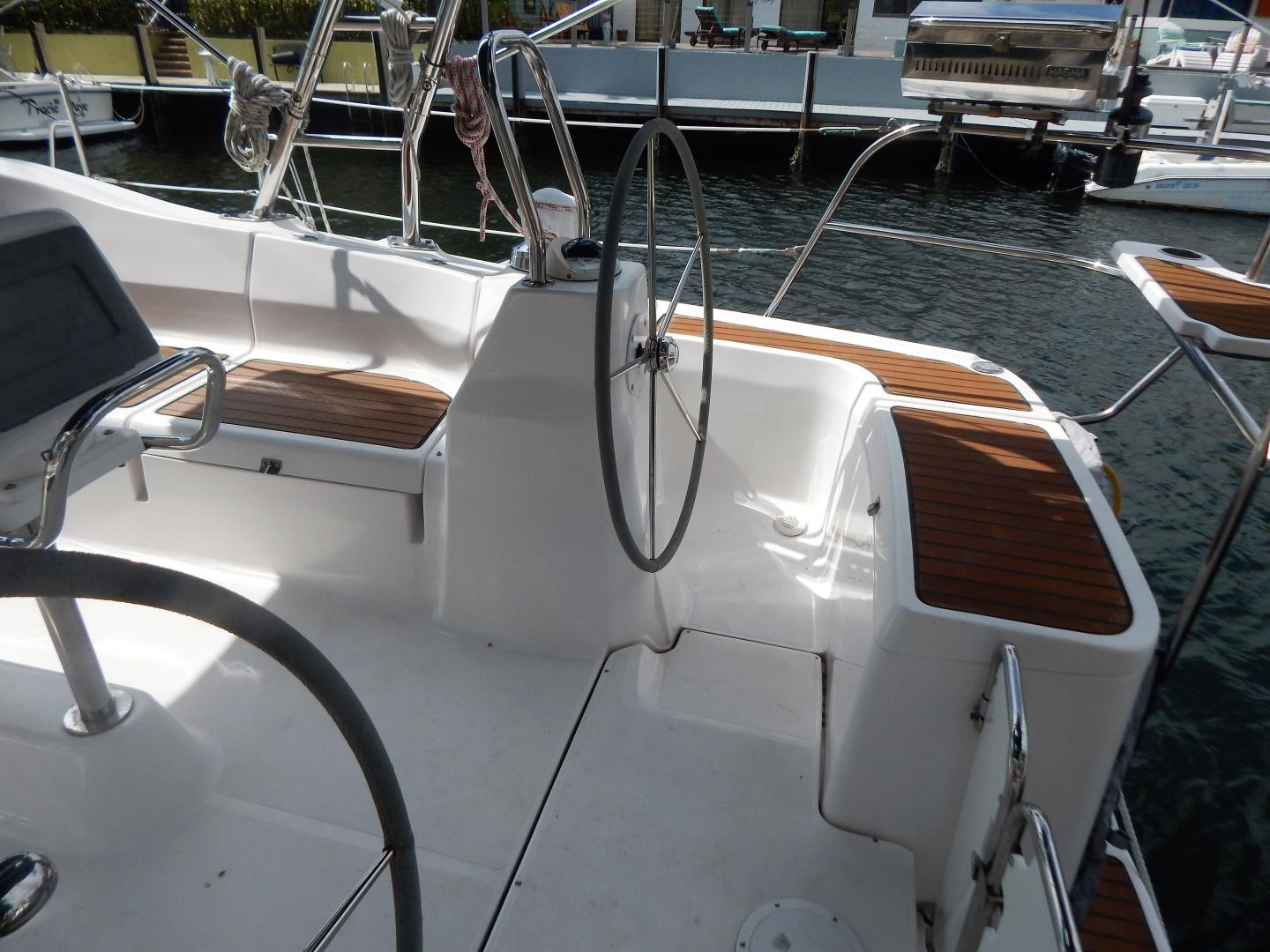 Hunter-Deck Salon 2012-PINK PONY SAILS Fort Lauderdale-Florida-United States-1549228 | Thumbnail