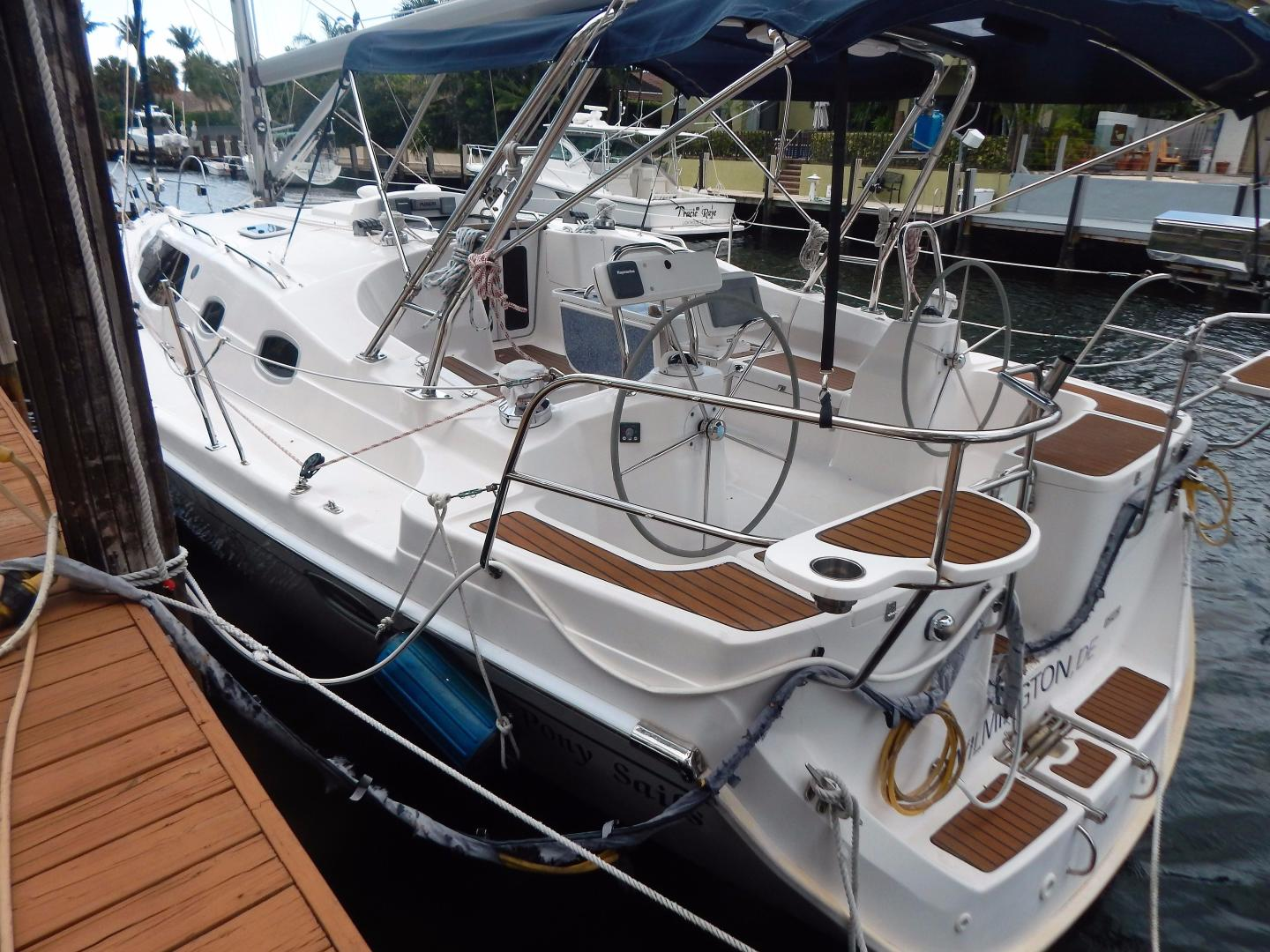Hunter-Deck Salon 2012-PINK PONY SAILS Fort Lauderdale-Florida-United States-1549233 | Thumbnail