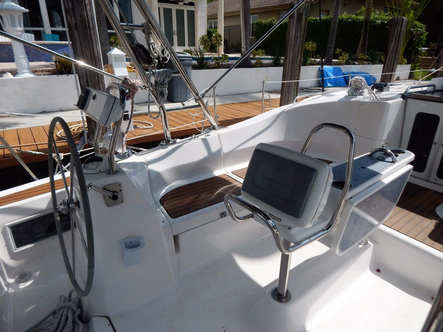 Hunter-Deck Salon 2012-PINK PONY SAILS Fort Lauderdale-Florida-United States-1549229 | Thumbnail