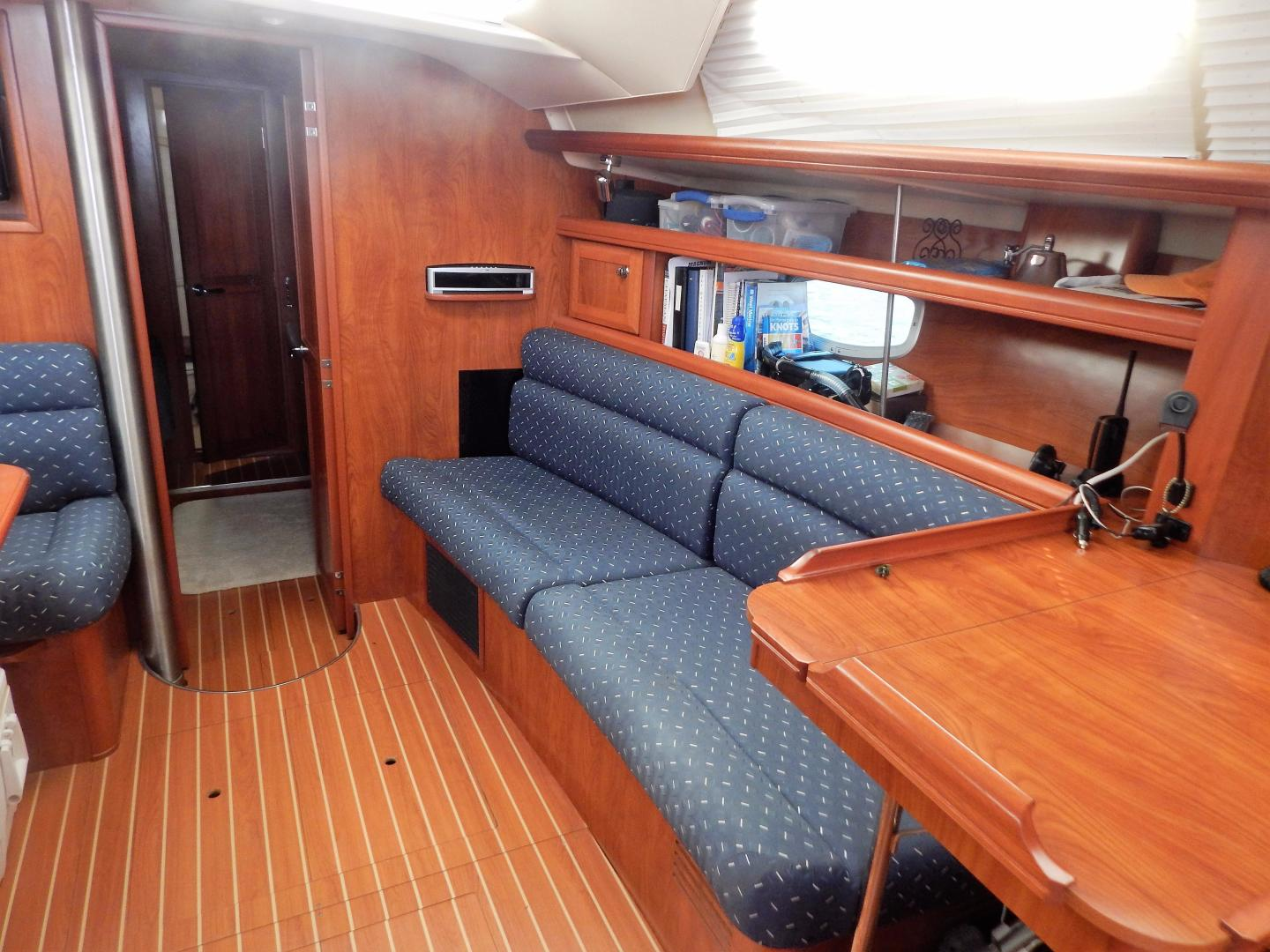 Hunter-Deck Salon 2012-PINK PONY SAILS Fort Lauderdale-Florida-United States-1549193 | Thumbnail