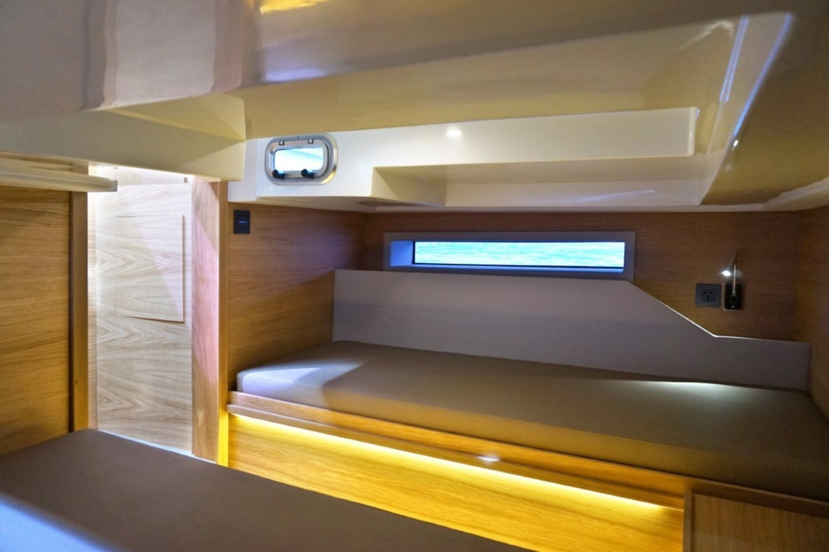 De Antonio-D34 Cruiser 2020-De Antonio Yachts D34 Cruiser Fort Lauderdale-Florida-United States-De Antonio Yachts_D34 Cruiser_12-1549254 | Thumbnail
