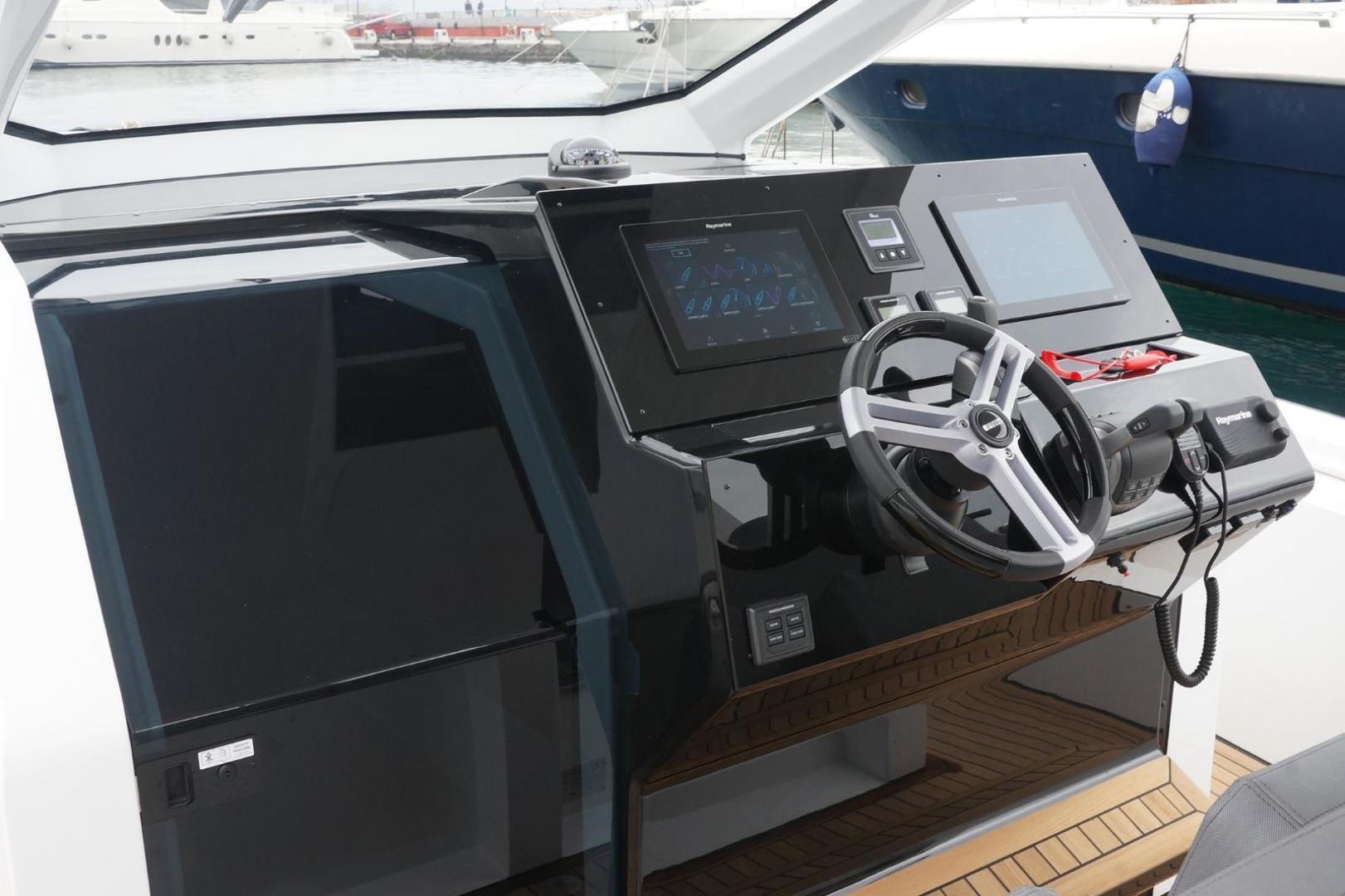 Pirelli-PZero 1250 2020-Pzero 1250 Fort Lauderdale-Florida-United States-1549631   Thumbnail