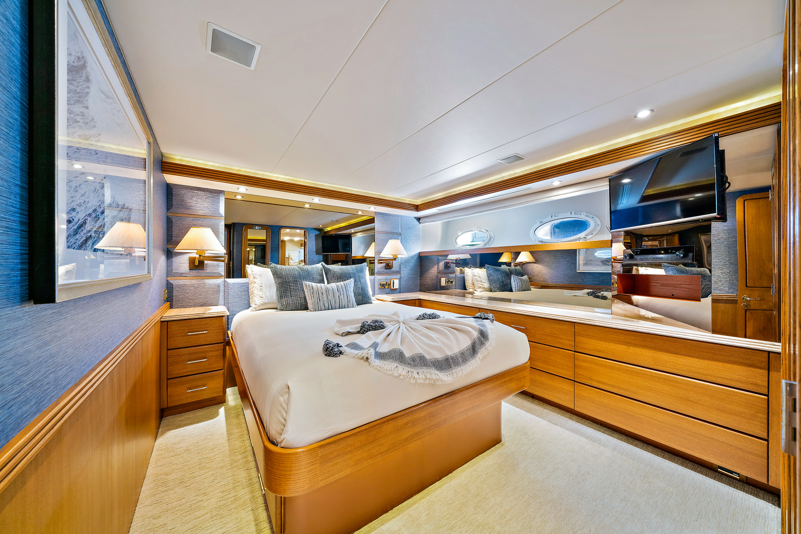 Westport-Raised Pilothouse 2001-Risk & Reward Lighthouse Point-Florida-United States-Guest Stateroom Port-1549849 | Thumbnail